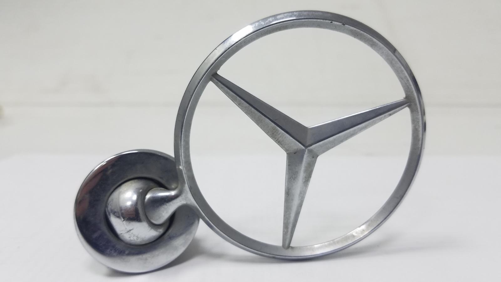 Эмблема Mercedes S280 W126 M110.989 2 1983 передняя