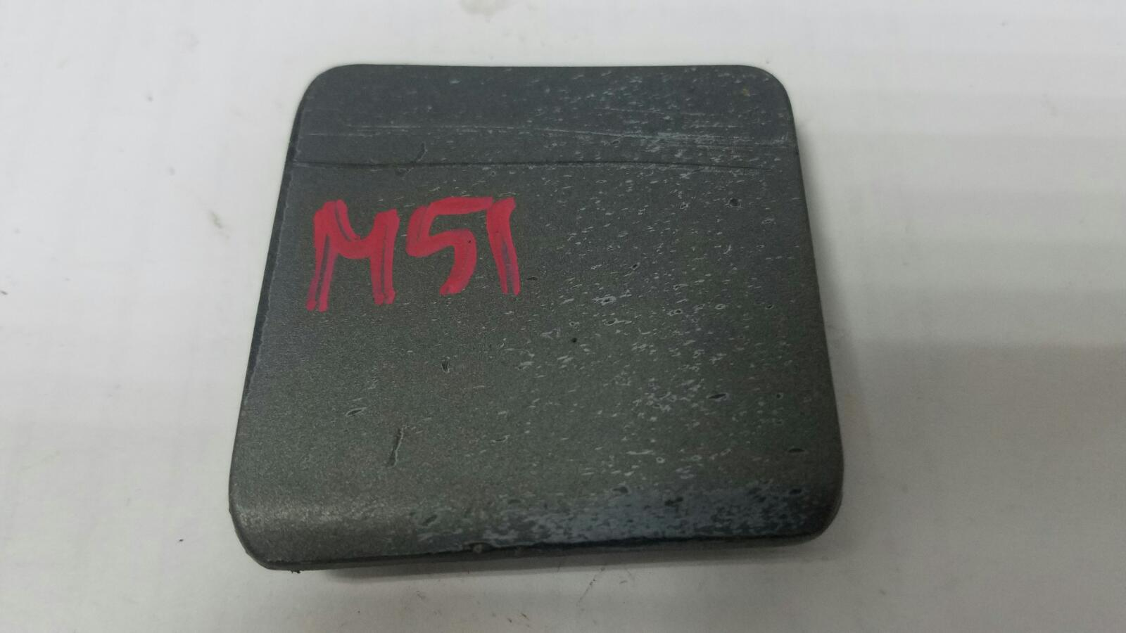 Заглушка порога Mercedes A190 W201 M102.910 1990