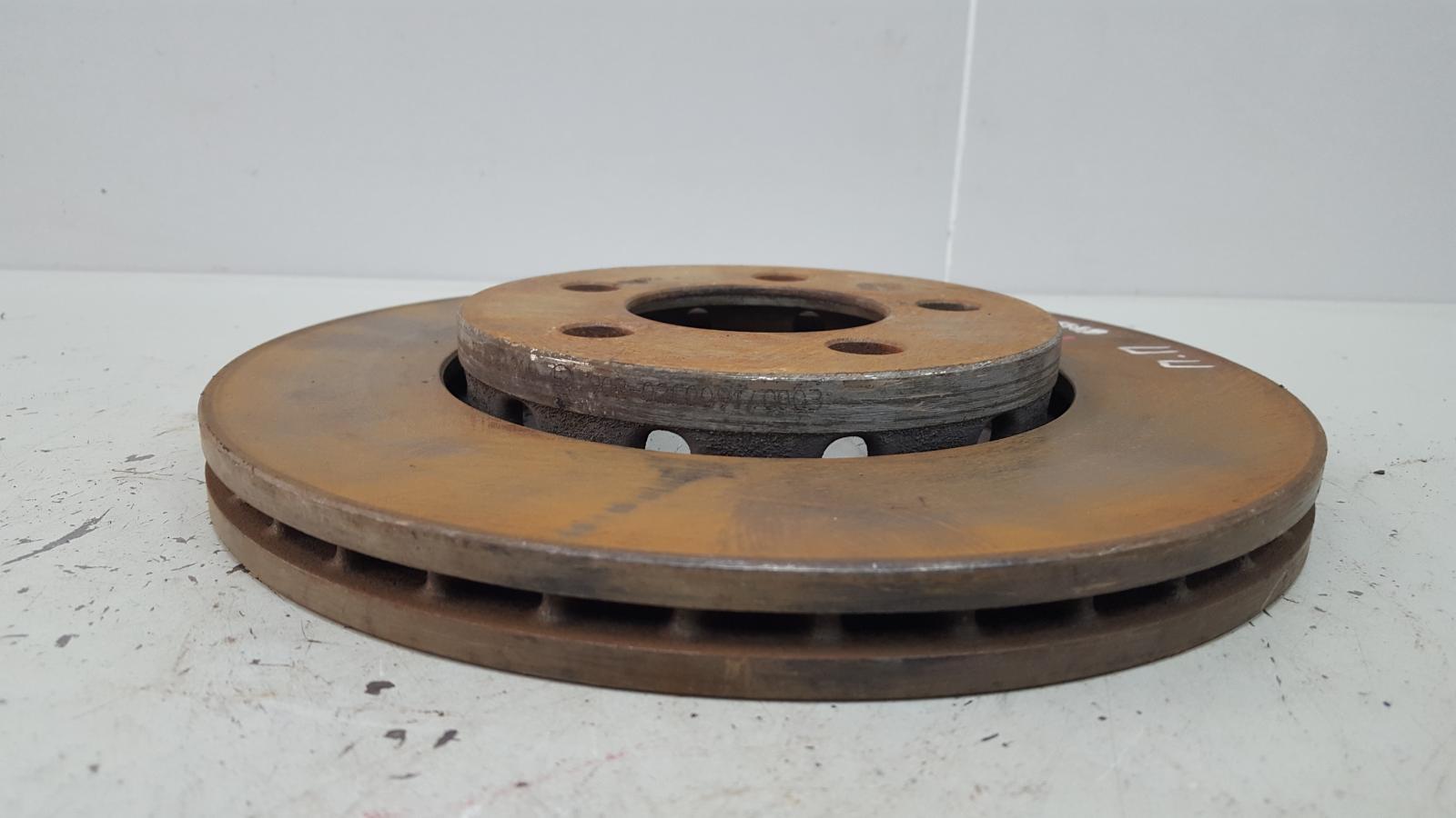 Тормозной диск Skoda Octavia 1U2 AKL 1.6Л 2003 передний правый