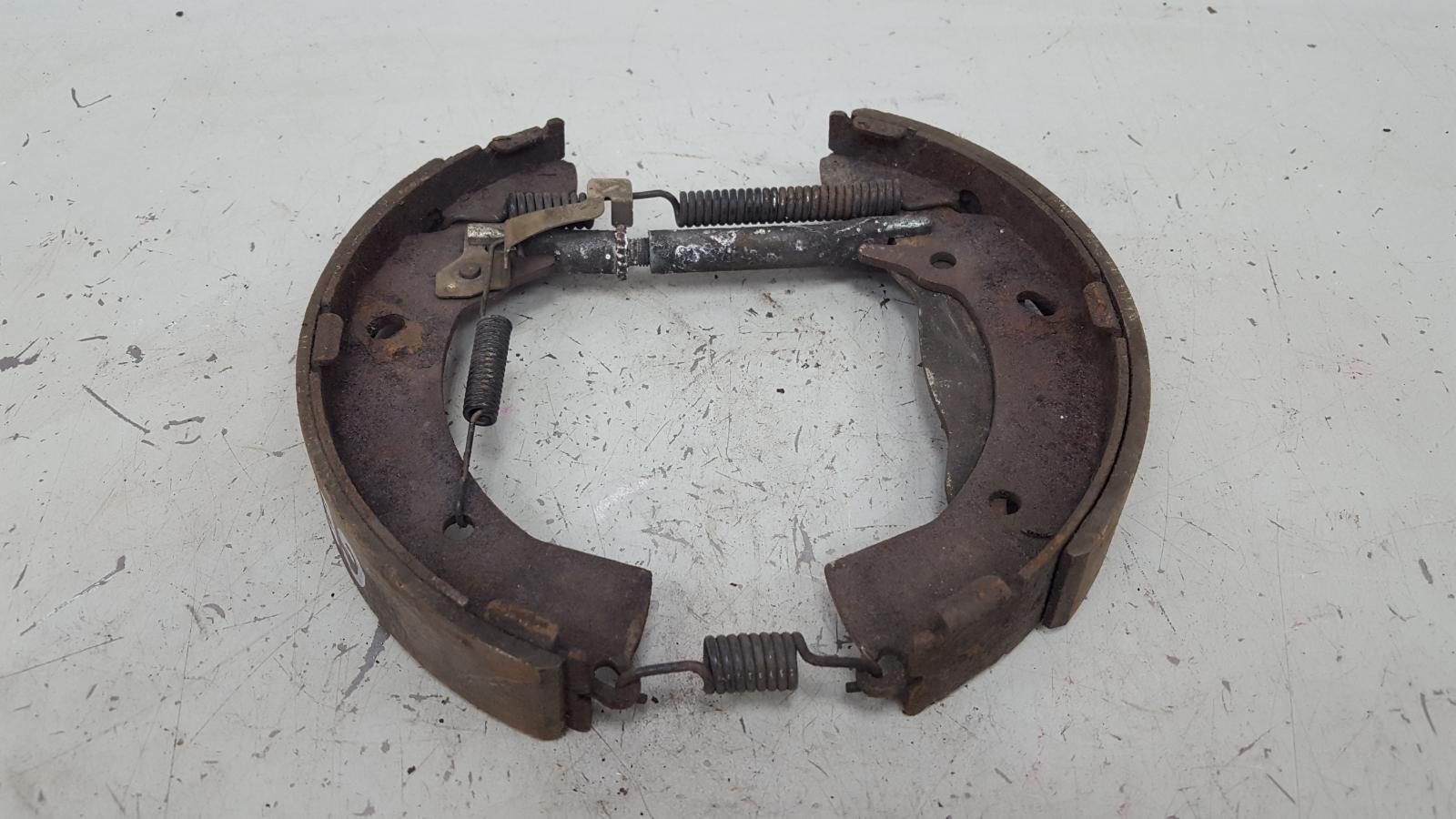 Механизм развода колодок ручника Hyundai Getz TB G4EE 2009
