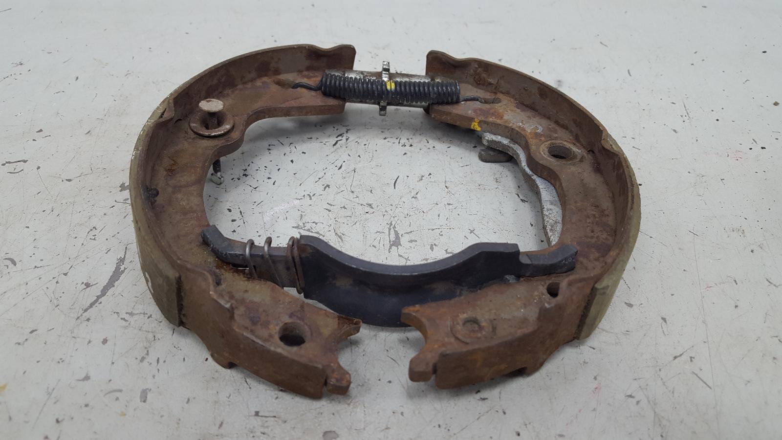 Механизм развода колодок ручника Kia Cerato 1 LD G4FC 2007 задний