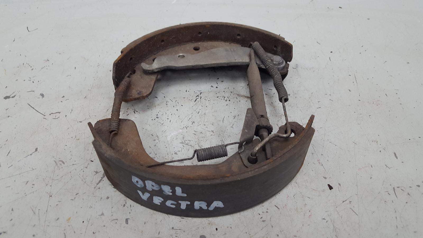Механизм развода колодок ручника Opel Vectra A задний