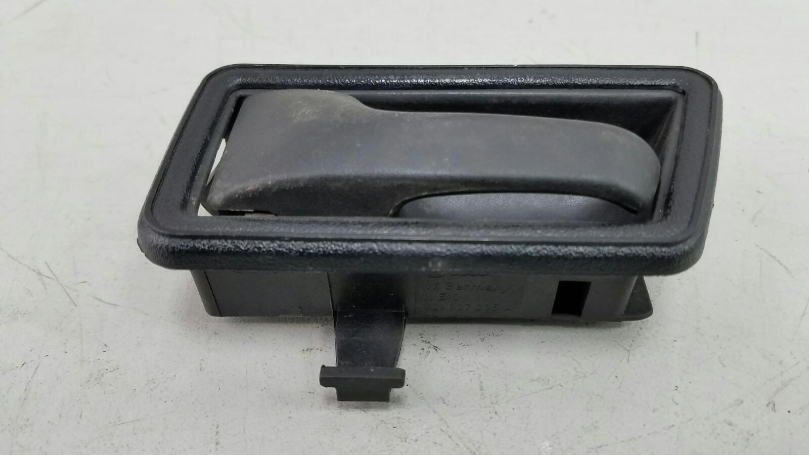 Ручка двери внутренняя Volkswagen Golf 2 191 MH 1 1986