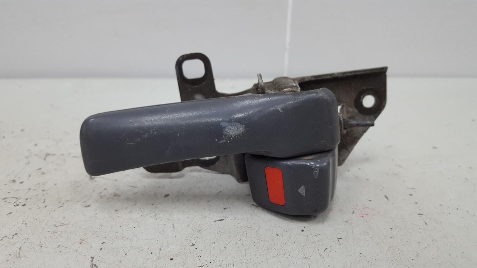 Ручка двери внутренняя Toyota Camry SXV1 3VZFE 3.0Л 1992 задняя левая