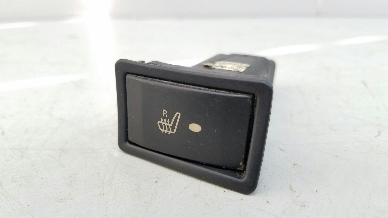 Кнопка обогрева сидений Geely Mk MR479QA 1 2012