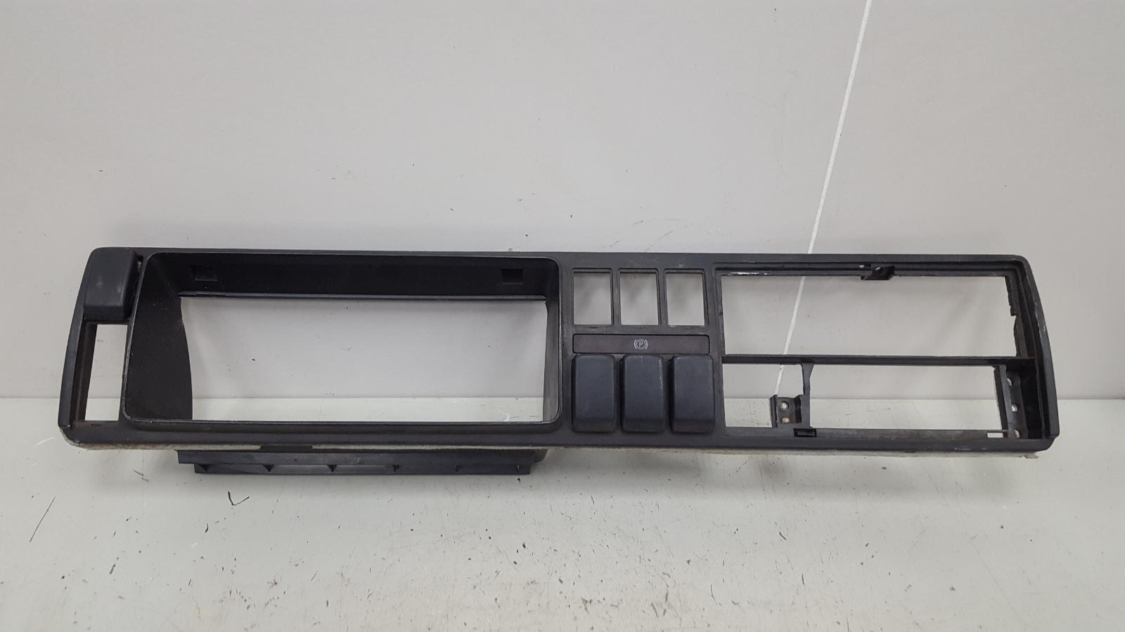 Накладка щитка приборов Volkswagen Golf 2 191 MH 1 1986