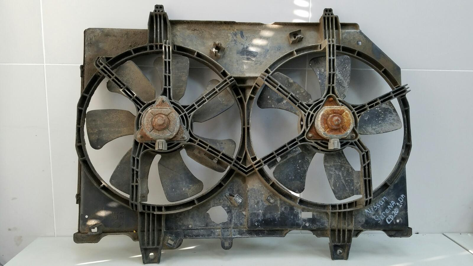 Вентилятор охлаждения радиатора Nissan Serena KVC23 CD20 2.0