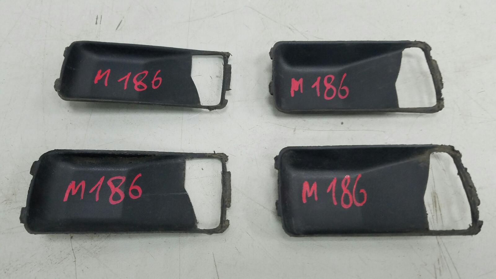 Комплект декоративных накладок внутренних ручек двери Mercedes S280 W126 M110.989 2 1983