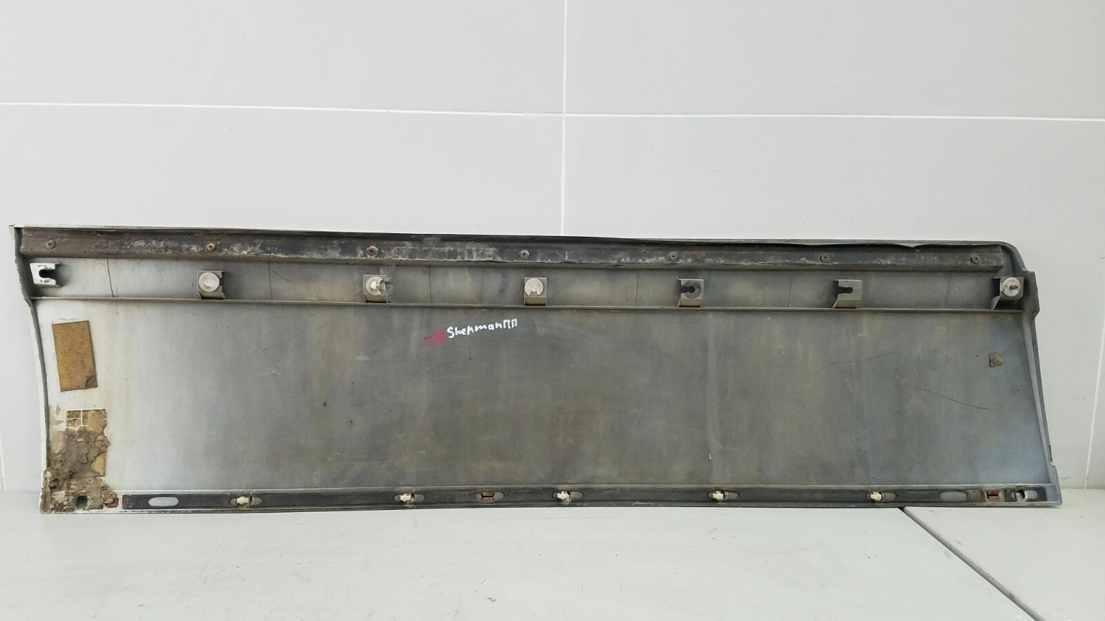 Молдинг двери Ssangyong Chairman HT M104.992 1997 передний правый