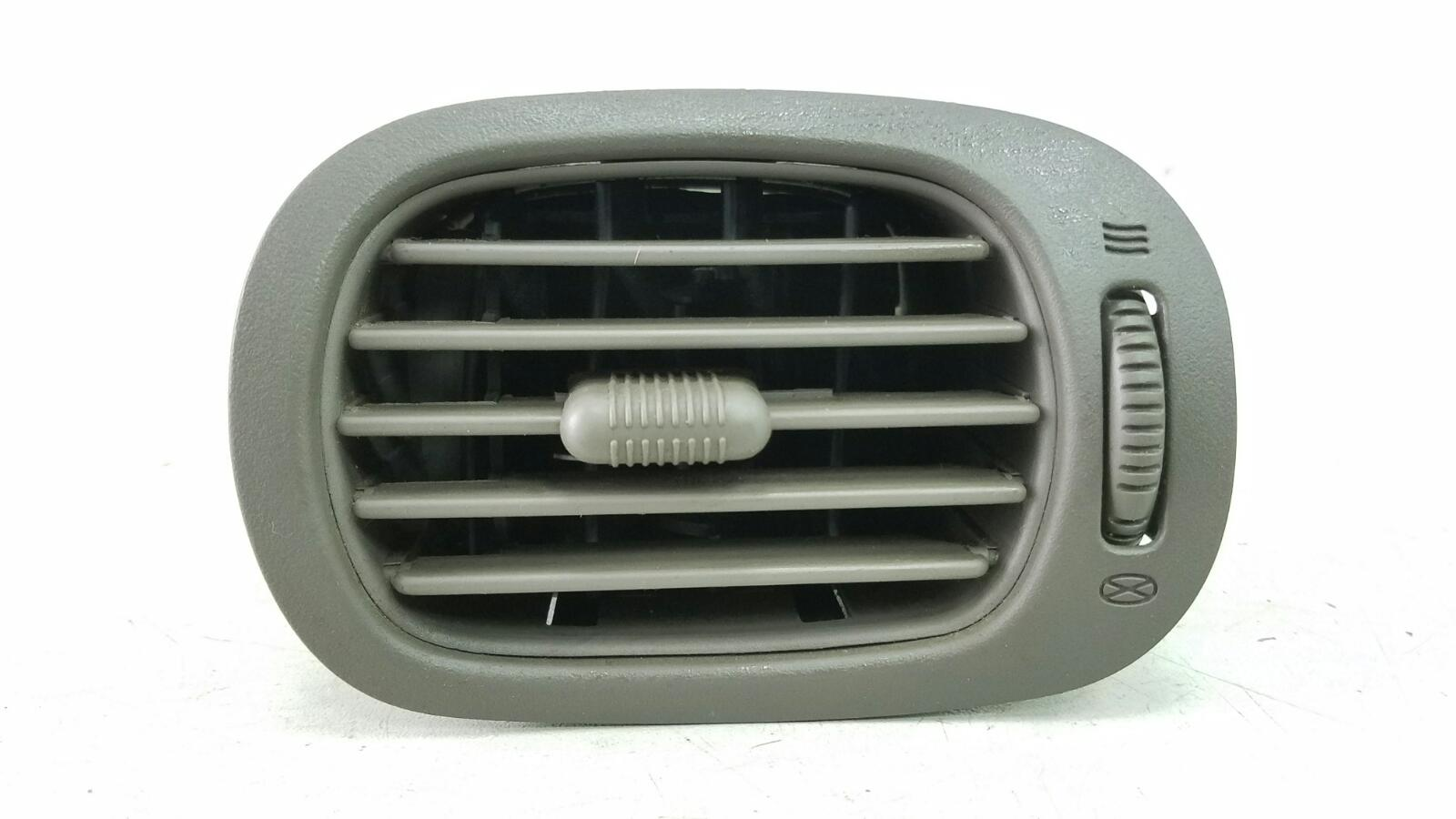 Дефлектор воздушный Dodge Caravan 4 RG EGM 3.3Л 2001 передний правый
