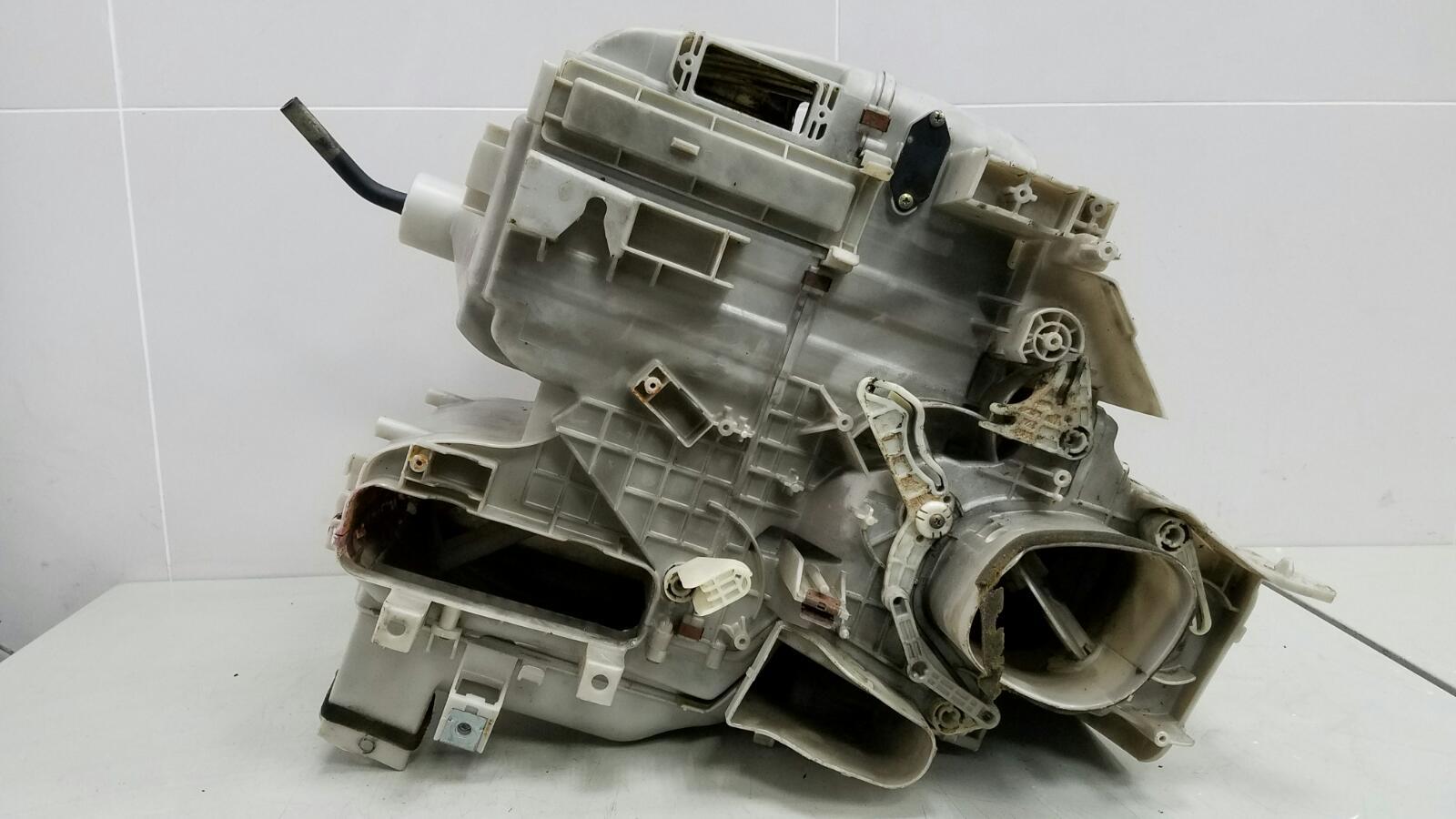 Корпус печки Toyota Camry SXV1 3VZFE 3.0Л 1992