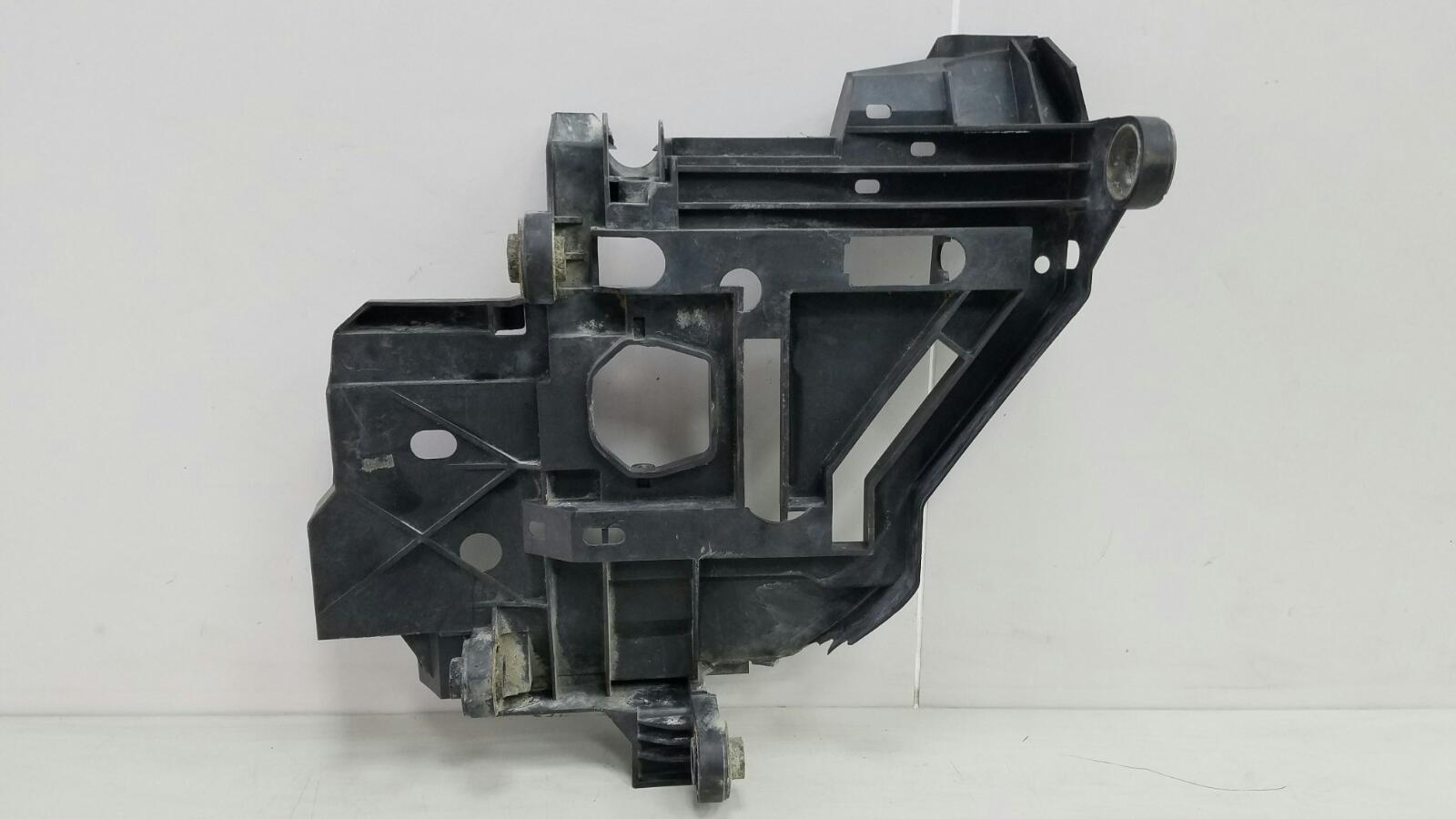 Кронштейн фары Porshe Cayenne 955 BMV M02.2Y 3.2Л 2005 правый