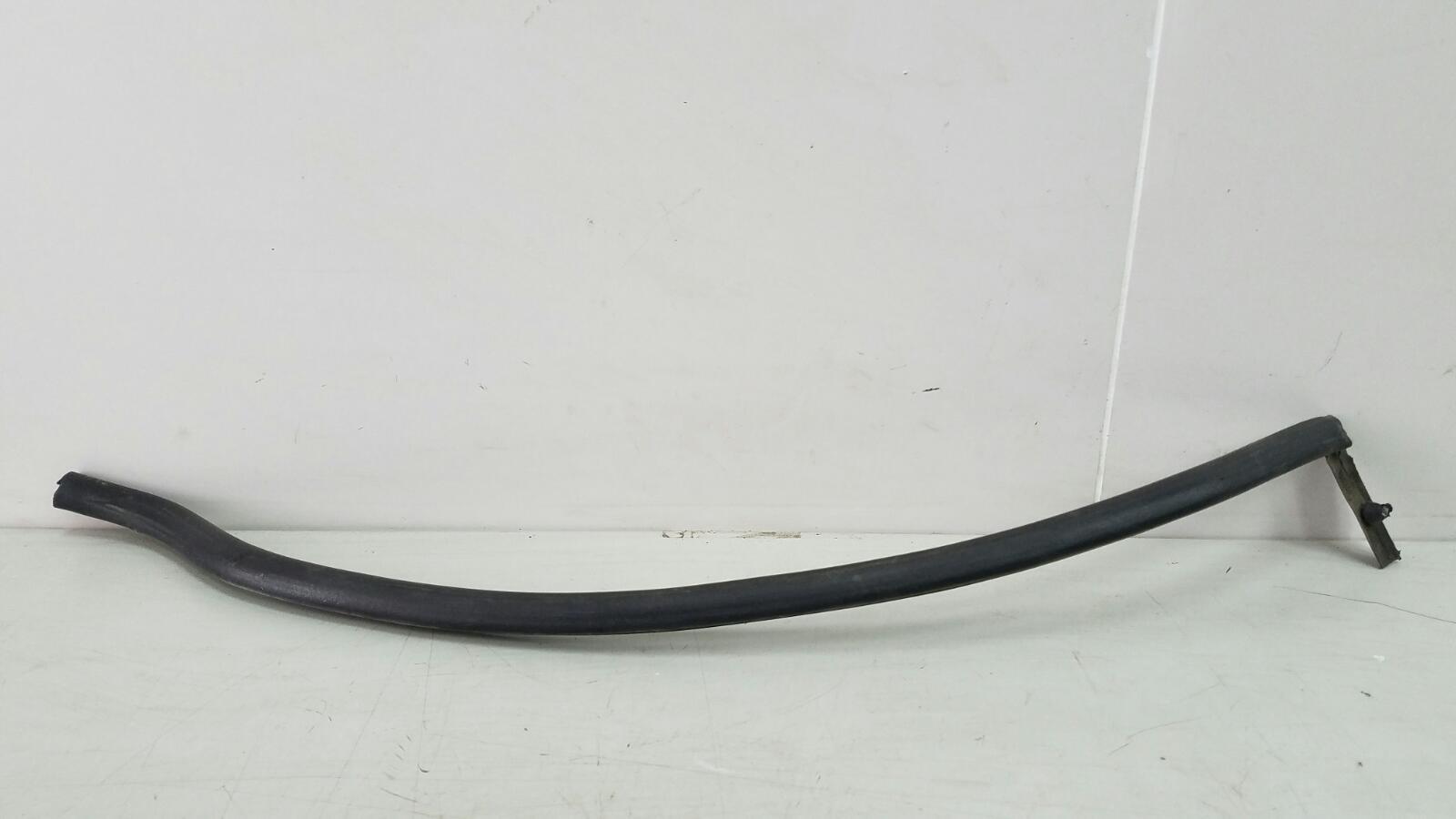 Уплотнительная резинка Porshe Cayenne 955 BMV M02.2Y 3.2Л 2005 задняя левая