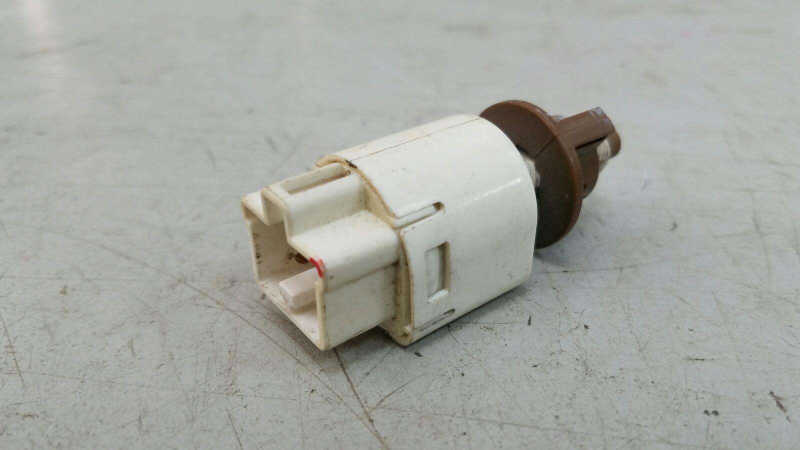 Выключатель стоп сигнала лягушка заднего тормоза Suzuki Liana ER M16A 2007