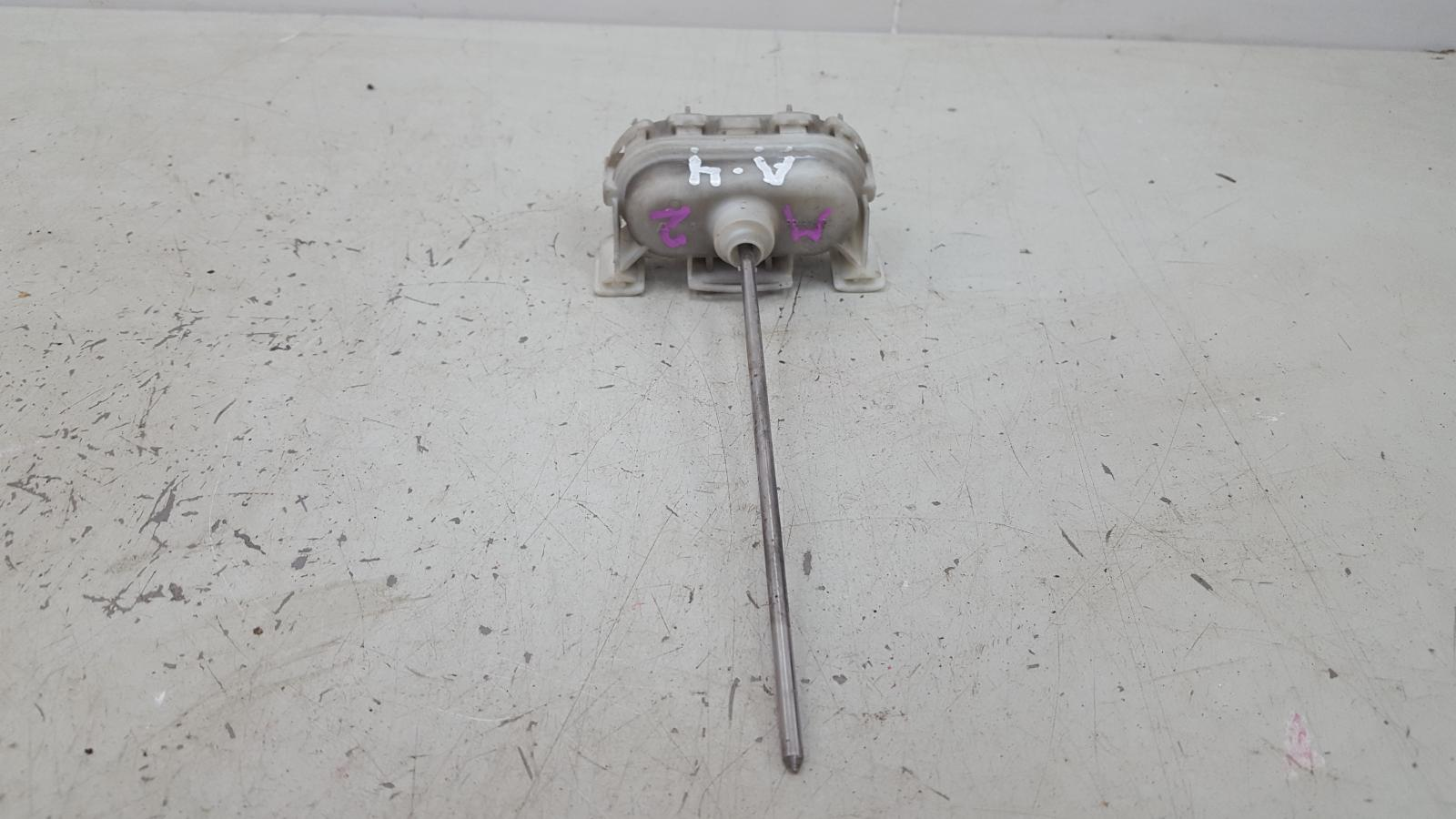 Активатор замка крышки бензобака Audi A4 B5 AEB 1998