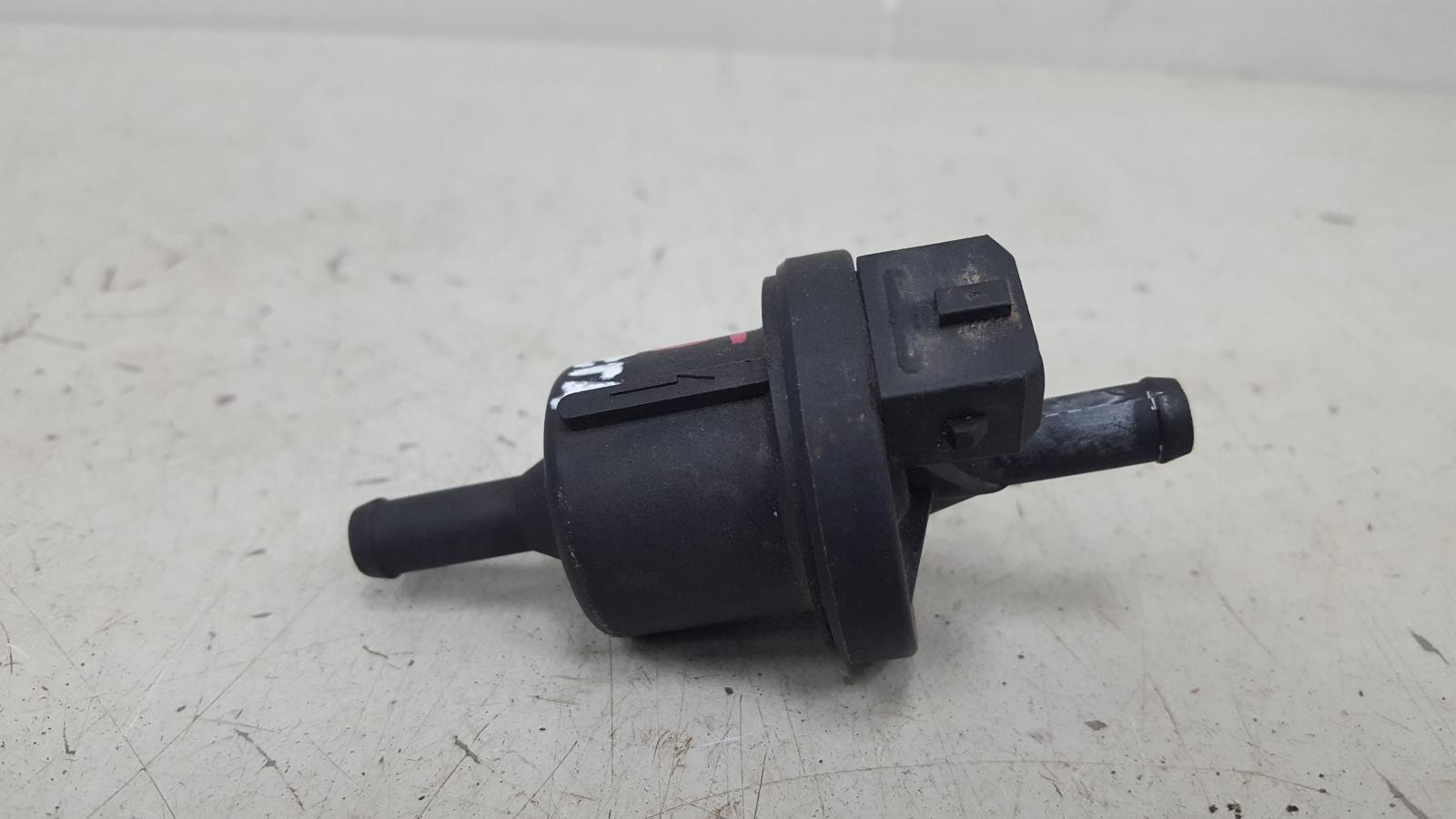 Электромагнитный клапан вентиляции топливного бака Hyundai Lantra J2 G4GM 1996