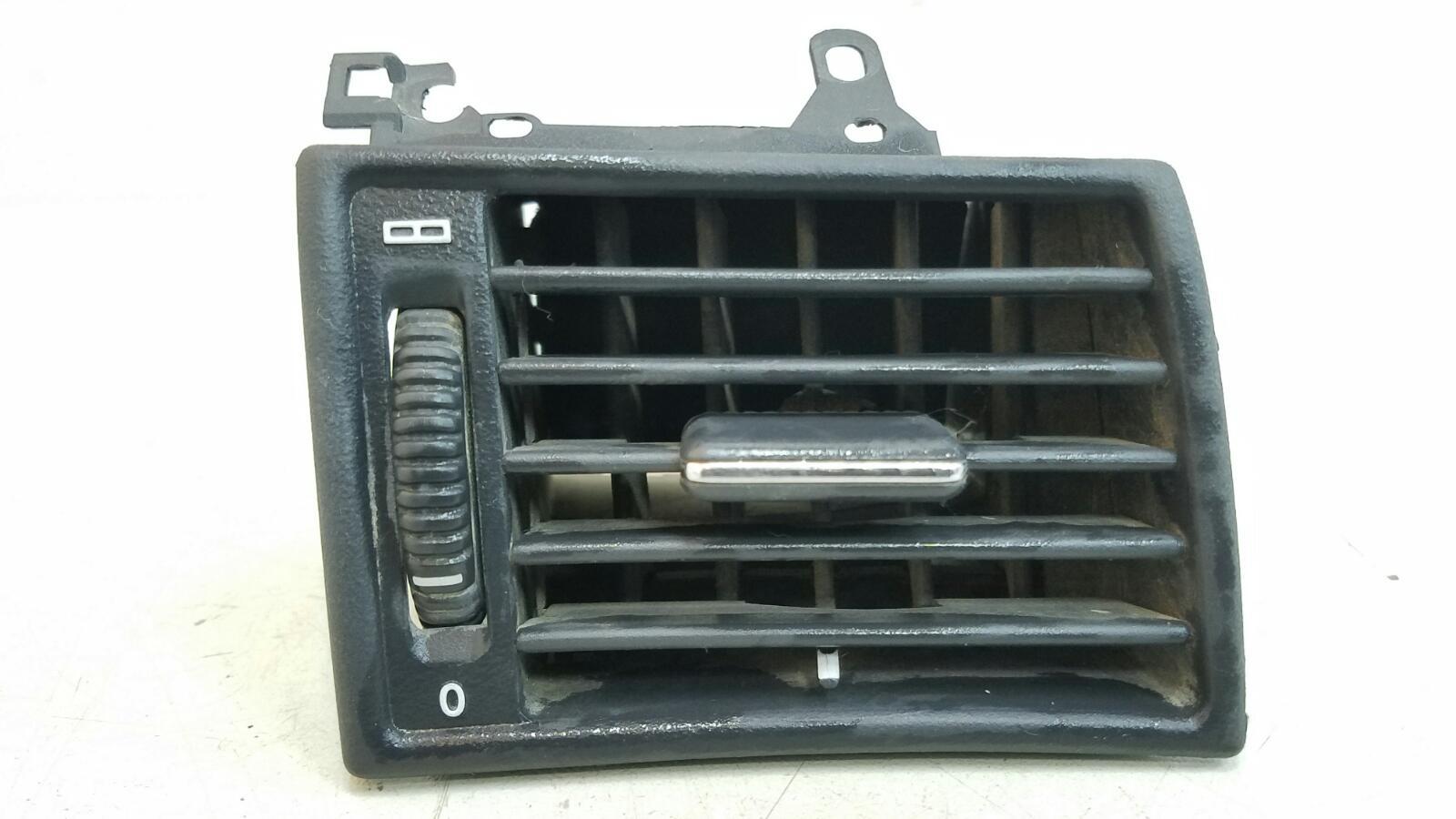 Дефлектор воздушный Mercedes C280 W202 M104.941 1998 правый