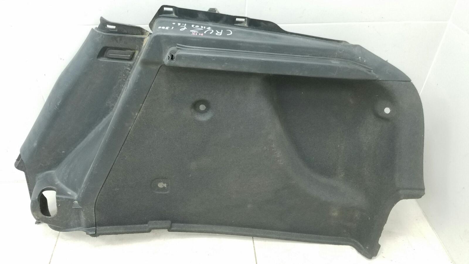 Обшивка багажника Chevrolet Cruze J300 F16D3 2012 правая