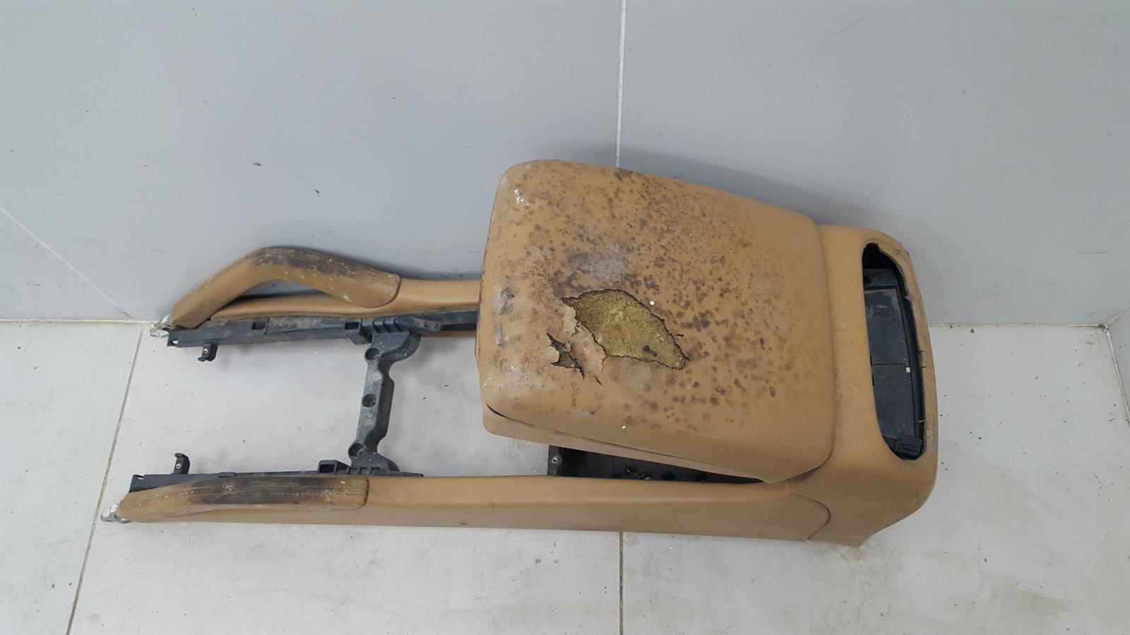 Консоль между сидениями Porshe Cayenne 955 BMV M02.2Y 3.2Л 2005