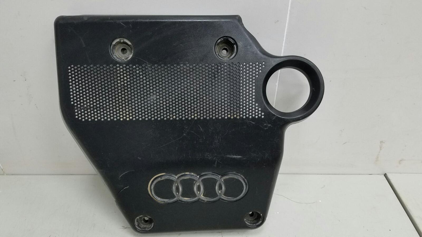 Декоративная крышка двигателя двс Audi A3 Купэ 8L1 AKL 1998