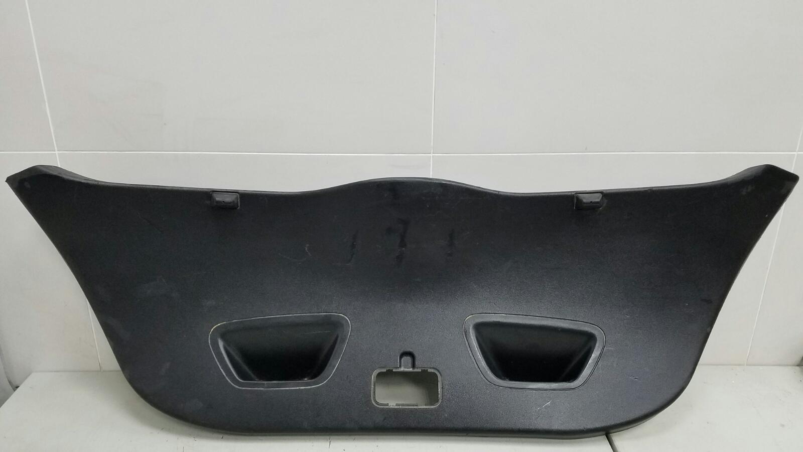 Обшивка крышки багажника Kia Ceed ED G4FA 2008