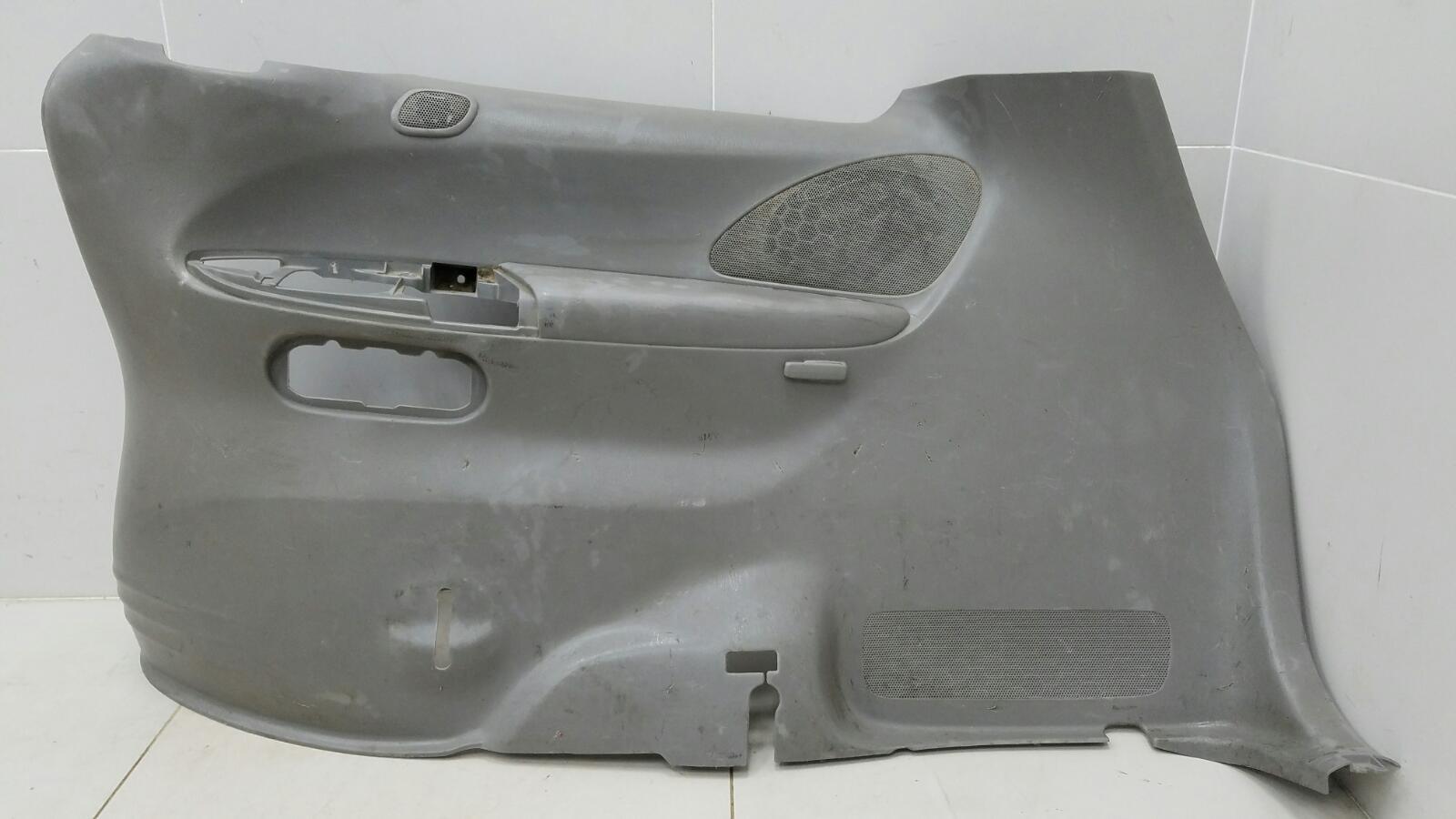 Обшивка багажника Mazda Mpv 2 JP FS 2003 задняя правая