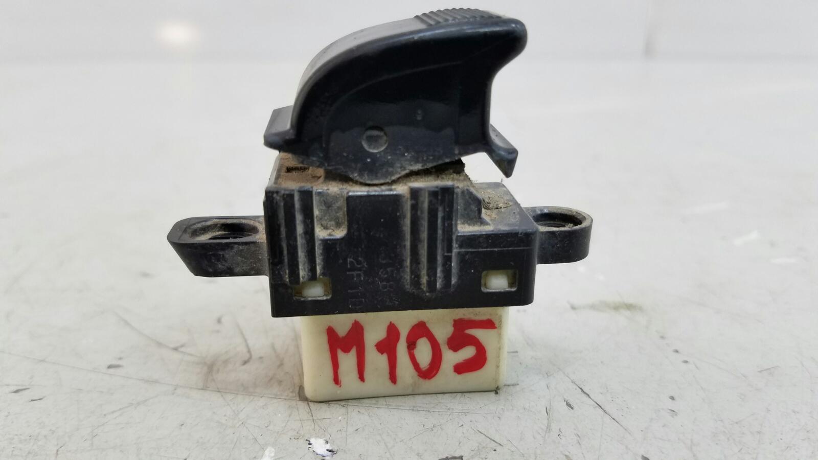 Кнопка стеклоподъемника Mazda Mpv 2 JP FS 2003