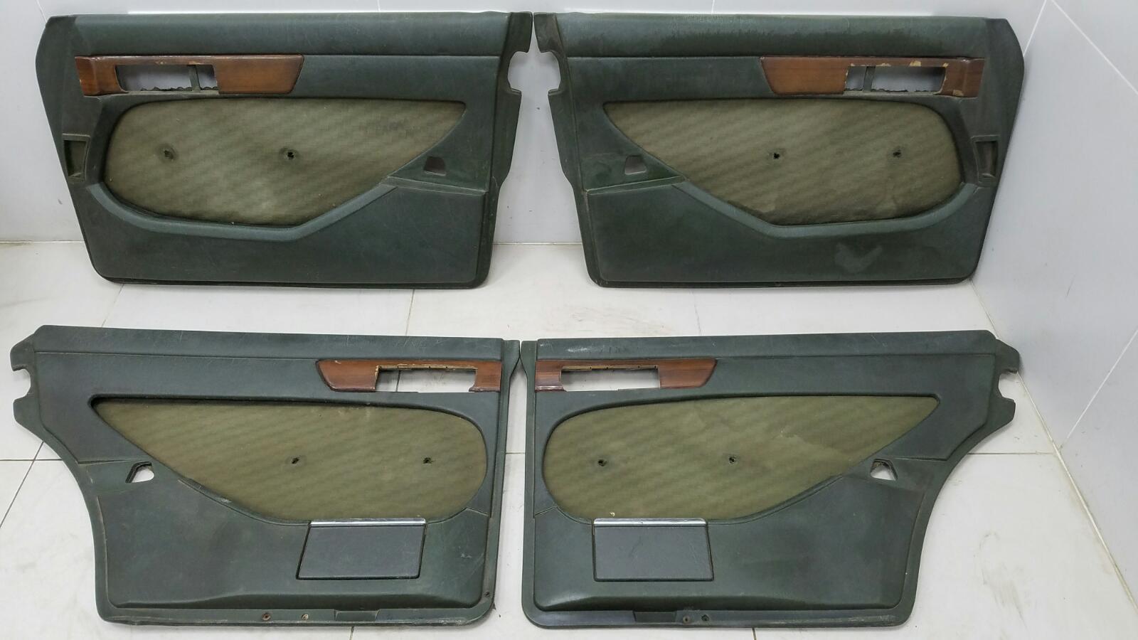 Комплект дверных карт Mercedes S280 W126 M110.989 2 1983