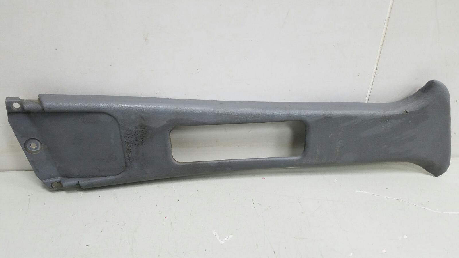 Накладка средней стойки Toyota Carina E AT190 4A-FE 1992 правая