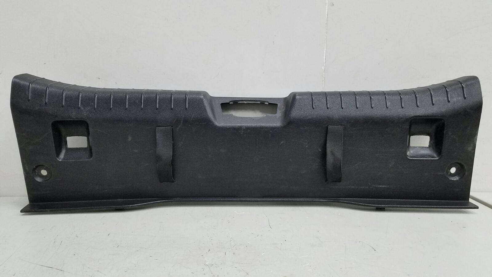 Накладка замка багажника Kia Ceed ED G4FA 2008