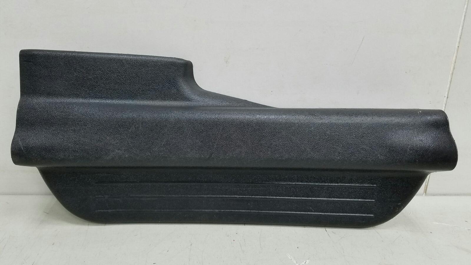 Накладка порога внутренняя Kia Ceed ED G4FA 2008 задняя правая