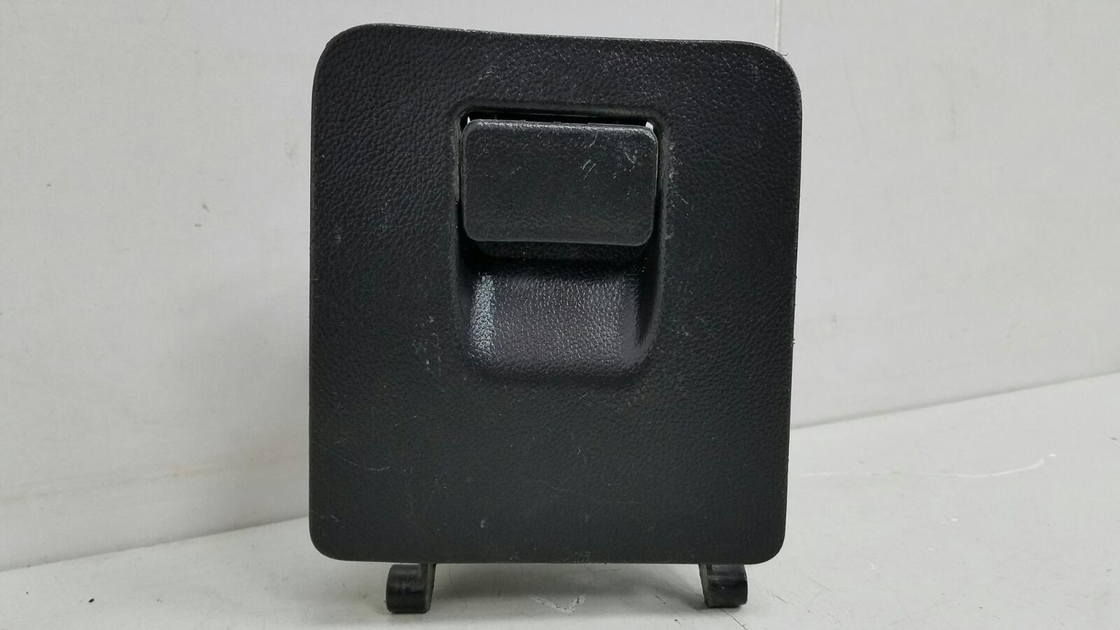 Крышка блока предохранителей Chevrolet Cruze J300 F16D3 2012