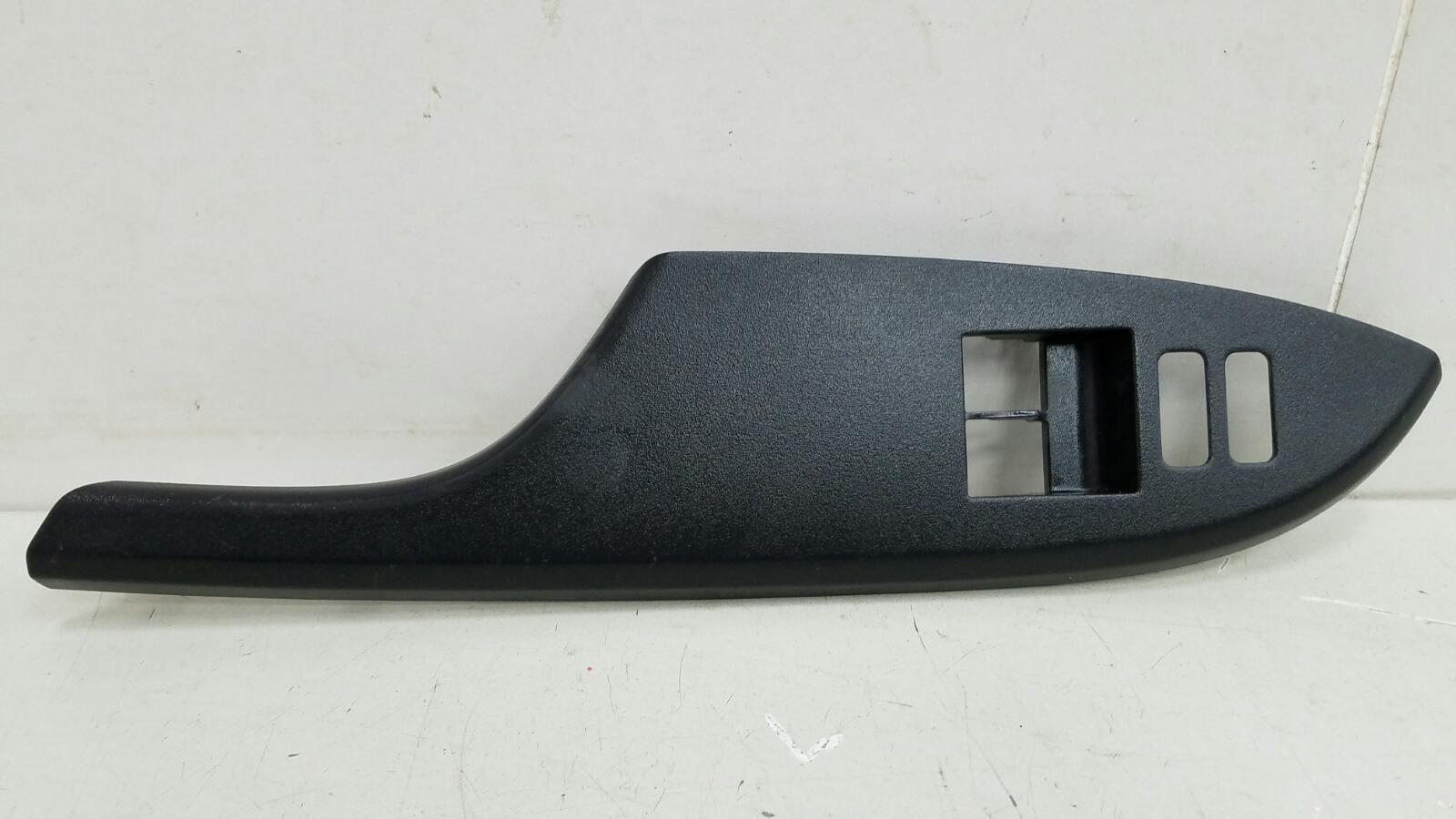 Накладка кнопок двери Toyota Corolla E150 1ZR-FE 2009 передняя левая