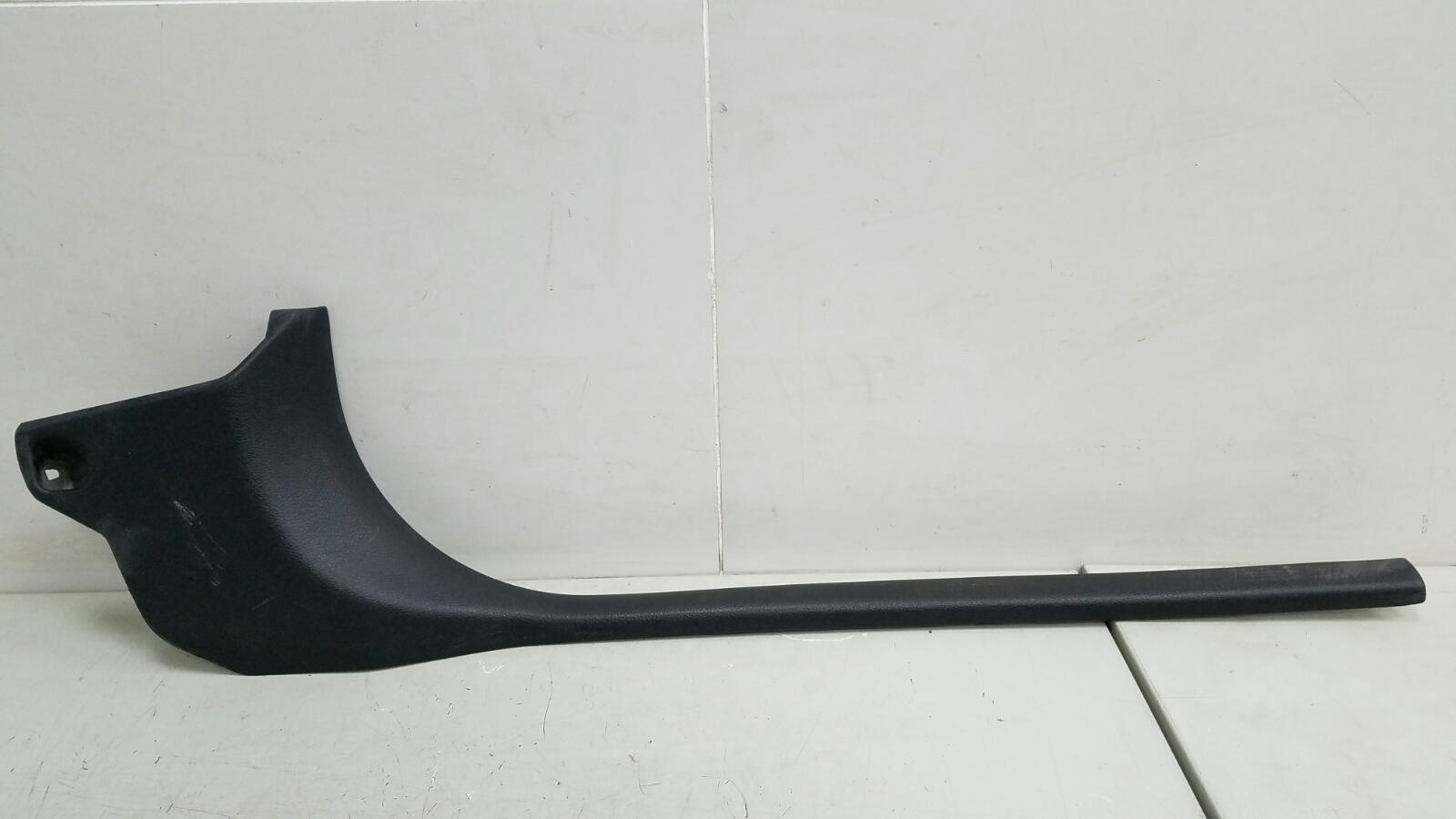 Накладка порога внутренняя Nissan Tiida C11X HR16DE 2008 правая