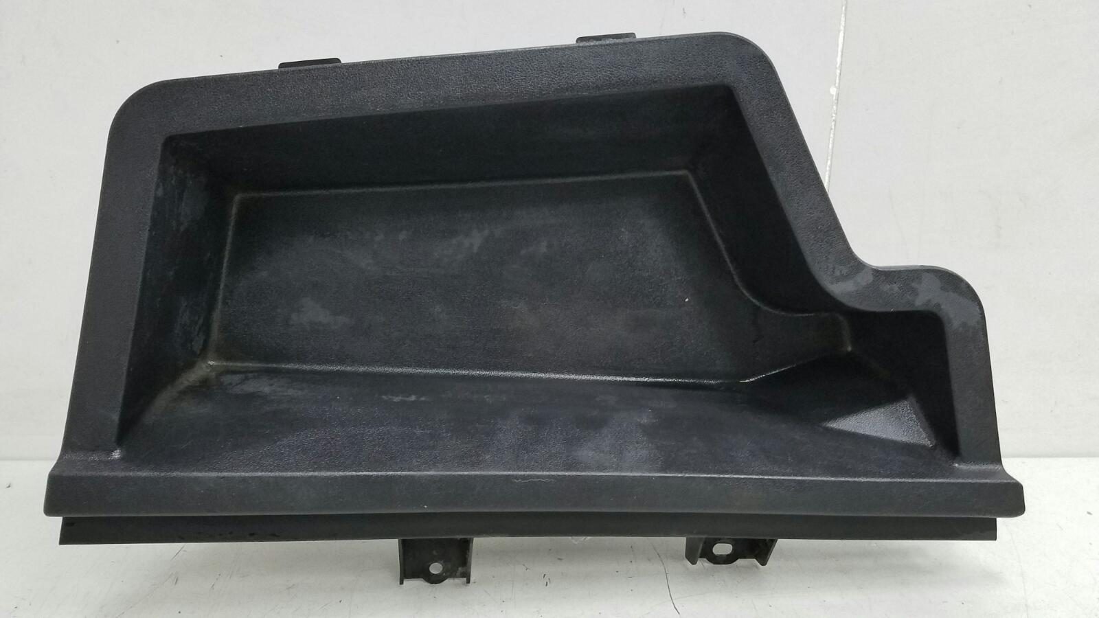 Пластик багажника карман Toyota Avensis 2 T250 1ZZ-FE 1.8Л 2008 задний левый