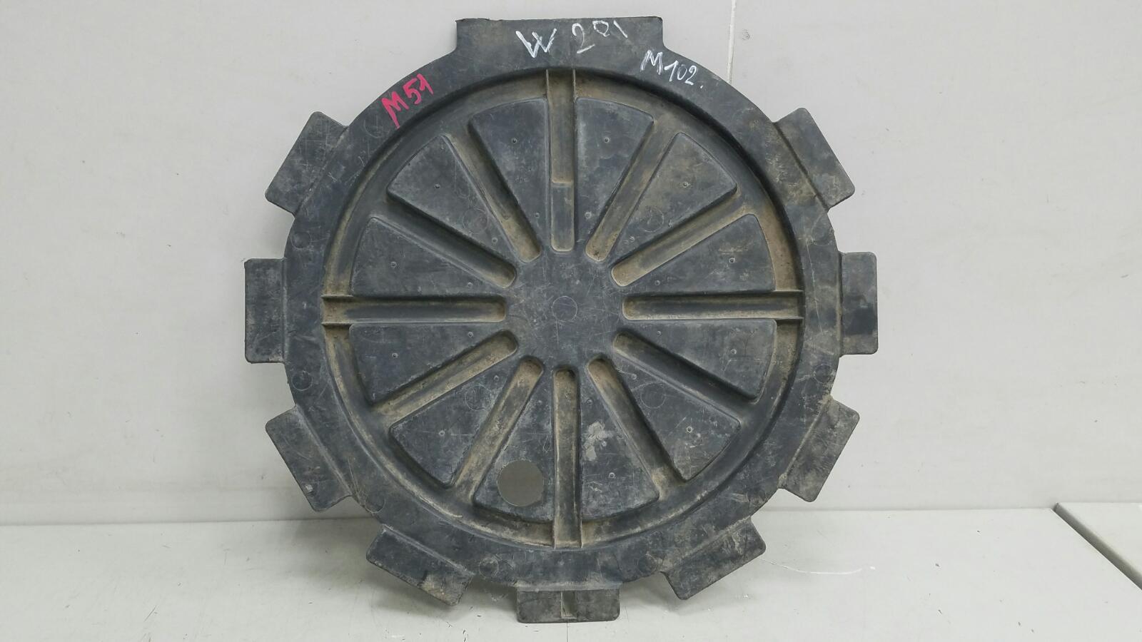 Чехол для запасного колеса Mercedes A190 W201 M102.910 1990 передний