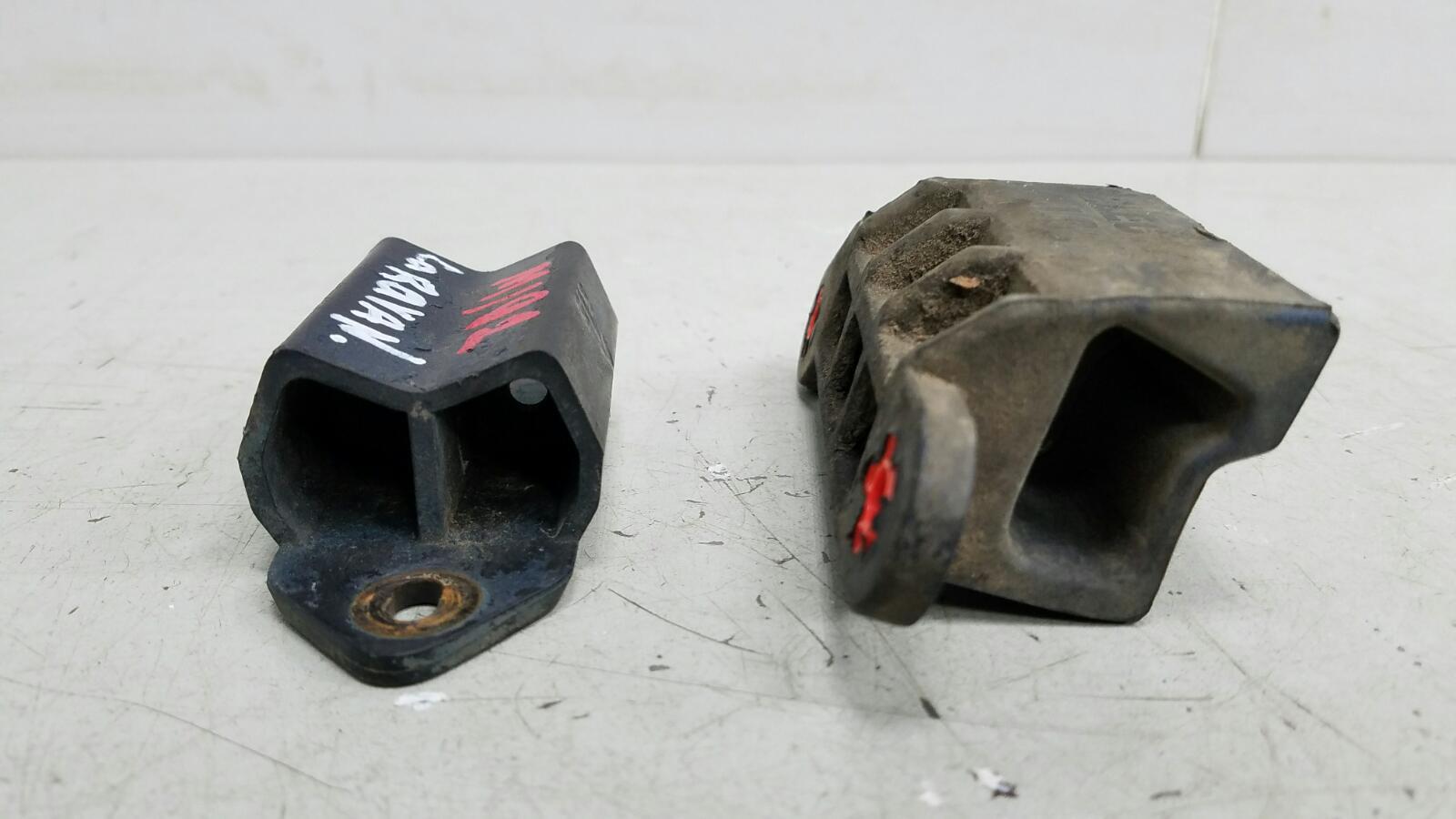 Отбойник опора рессоры Dodge Caravan 4 RG EGM 3.3Л 2001 задний левый