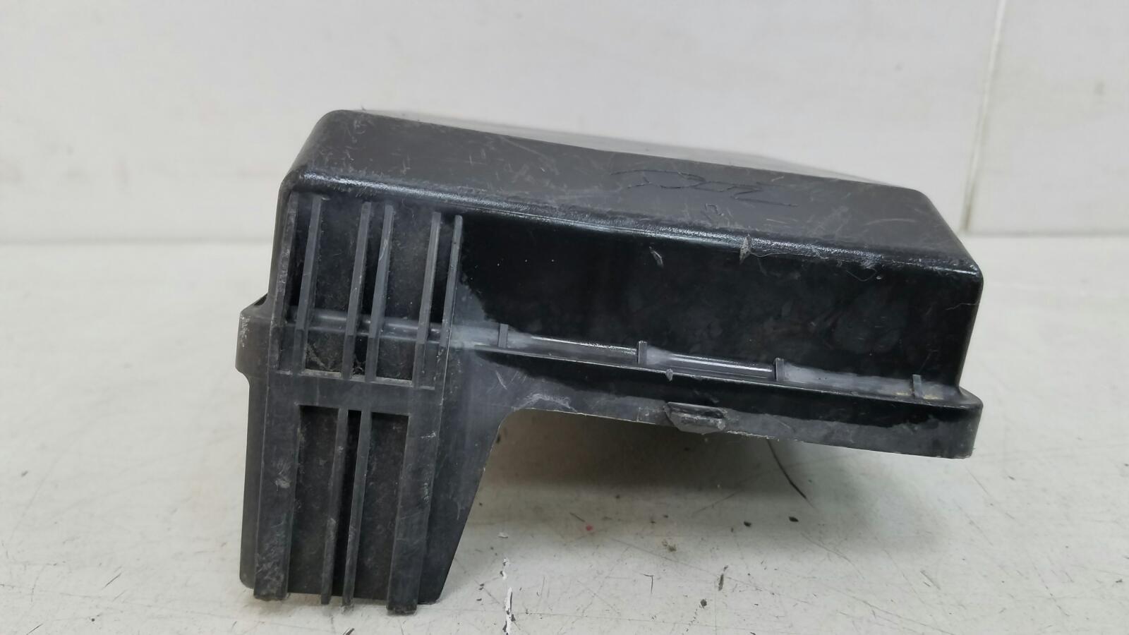 Крышка блока предохранителей Mitsubishi Lanser 9 CSA 4G18 2003
