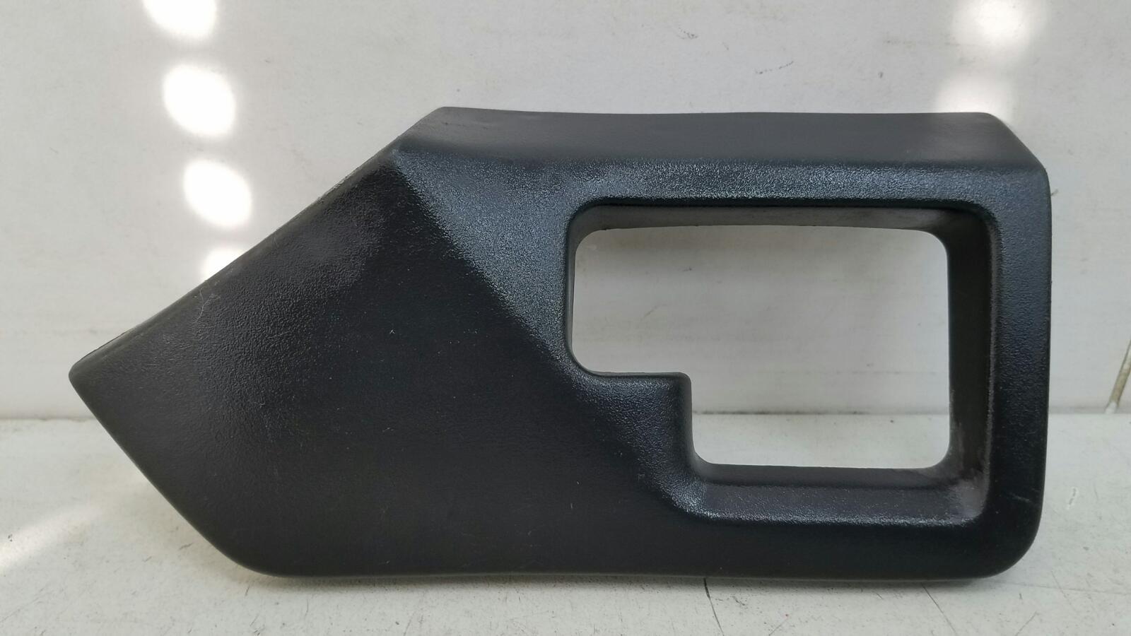Накладка ручки двери внутренней Opel Vectra A 86_ C18NZ 1.8Л 1992г правая