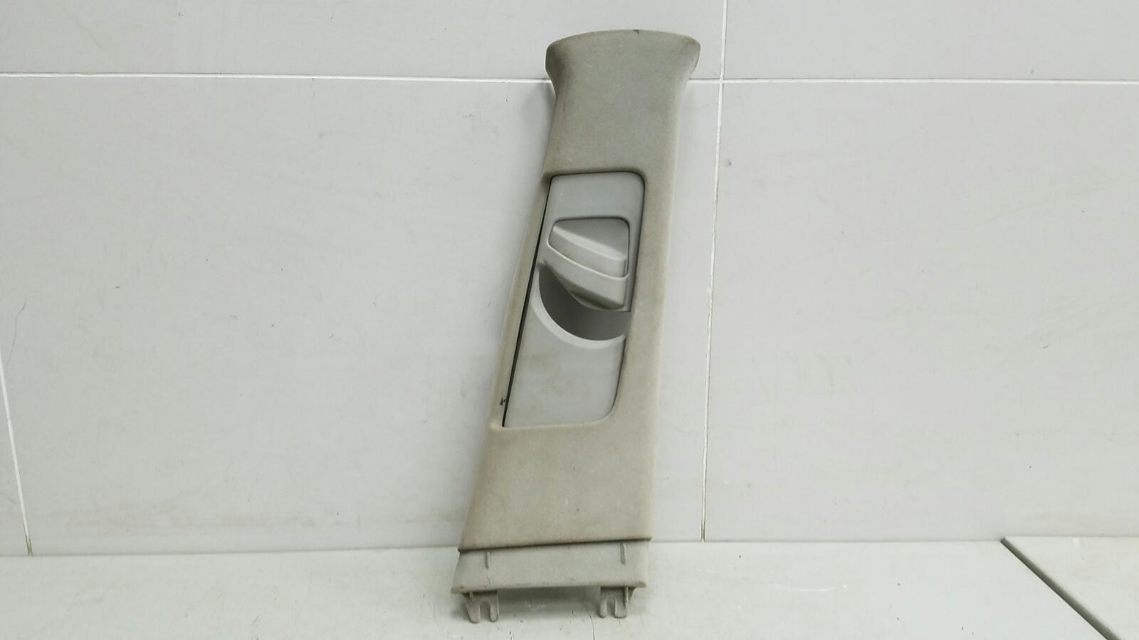 Накладка средней стойки Toyota Camry V30 2AZ-FE 2003 правая