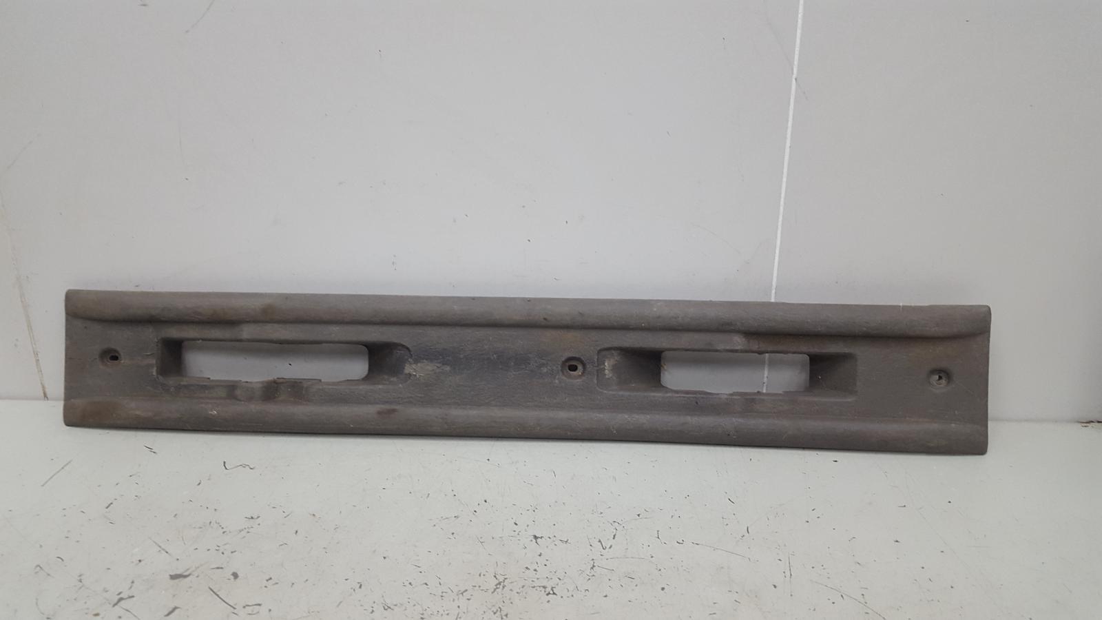 Накладка салазок сиденья Dodge Caravan 4 RG EGM 3.3Л 2001 левая