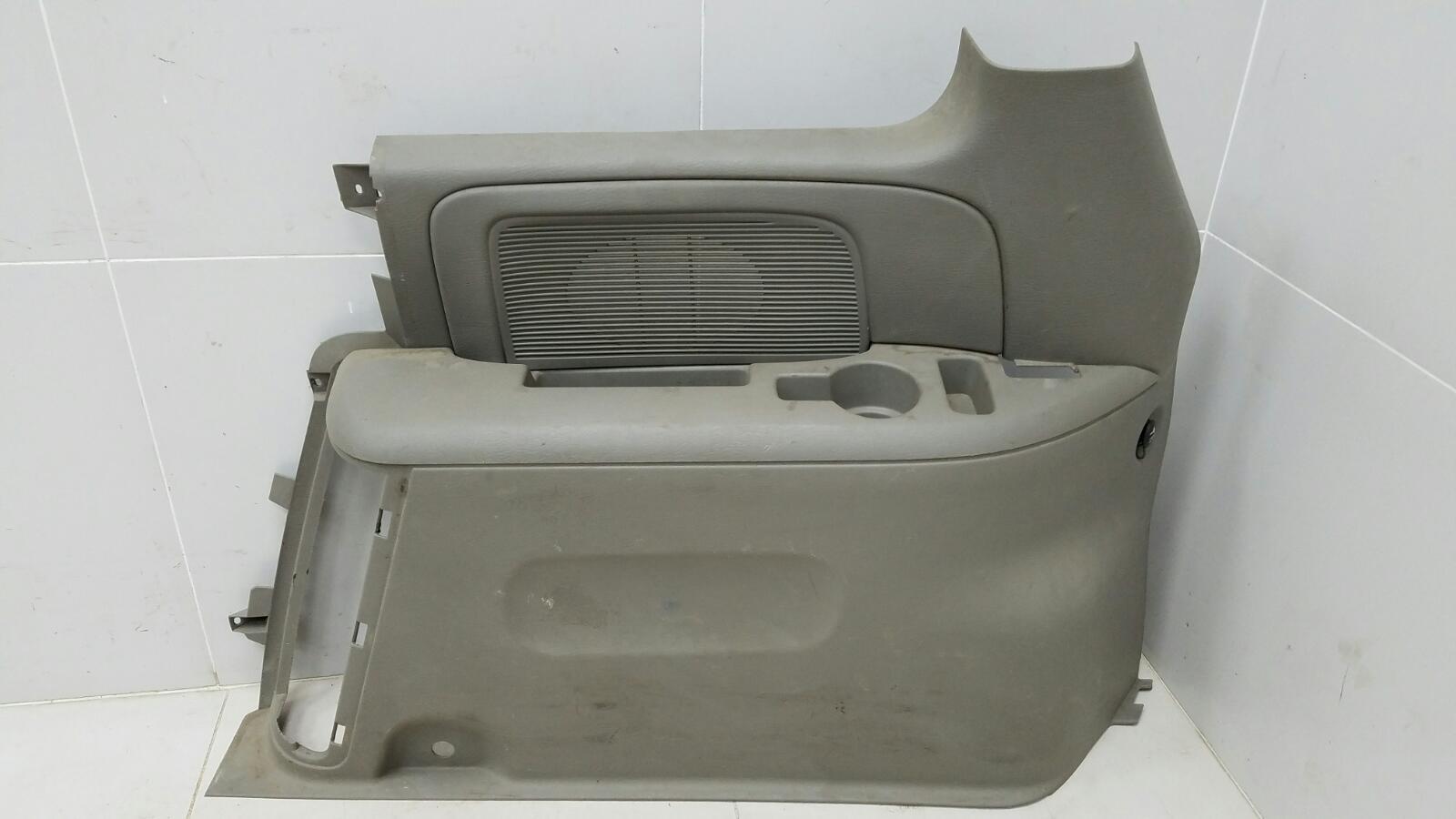 Обшивка стойки Dodge Caravan 4 RG EGM 3.3Л 2001 задняя правая