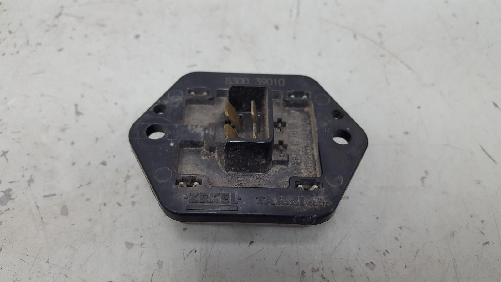 Резистор реостат печки Mitsubishi Lanser 9 CSA 4G18 2003