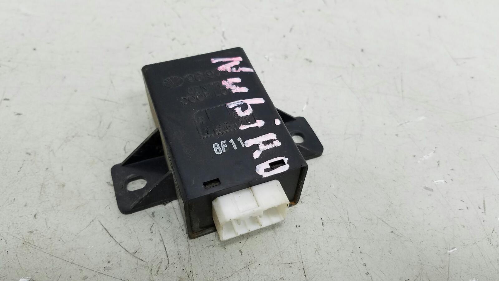 Блок управления центральным замком Daewoo Nubiro KLAJ X20SED 2.0Л 1999