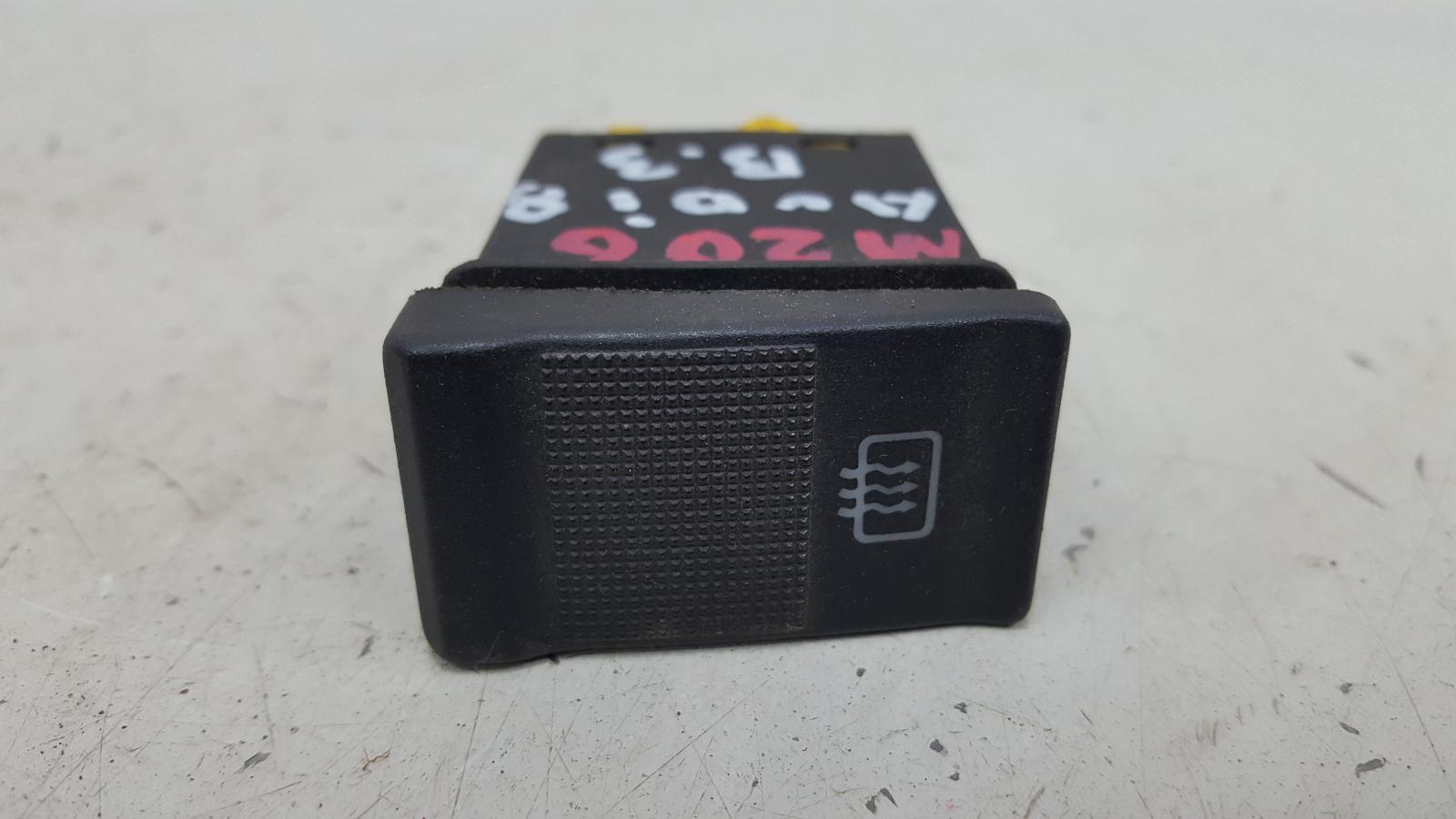Кнопка обогрева заднего стекла Audi 80 B3 YN 1.8Л 1990