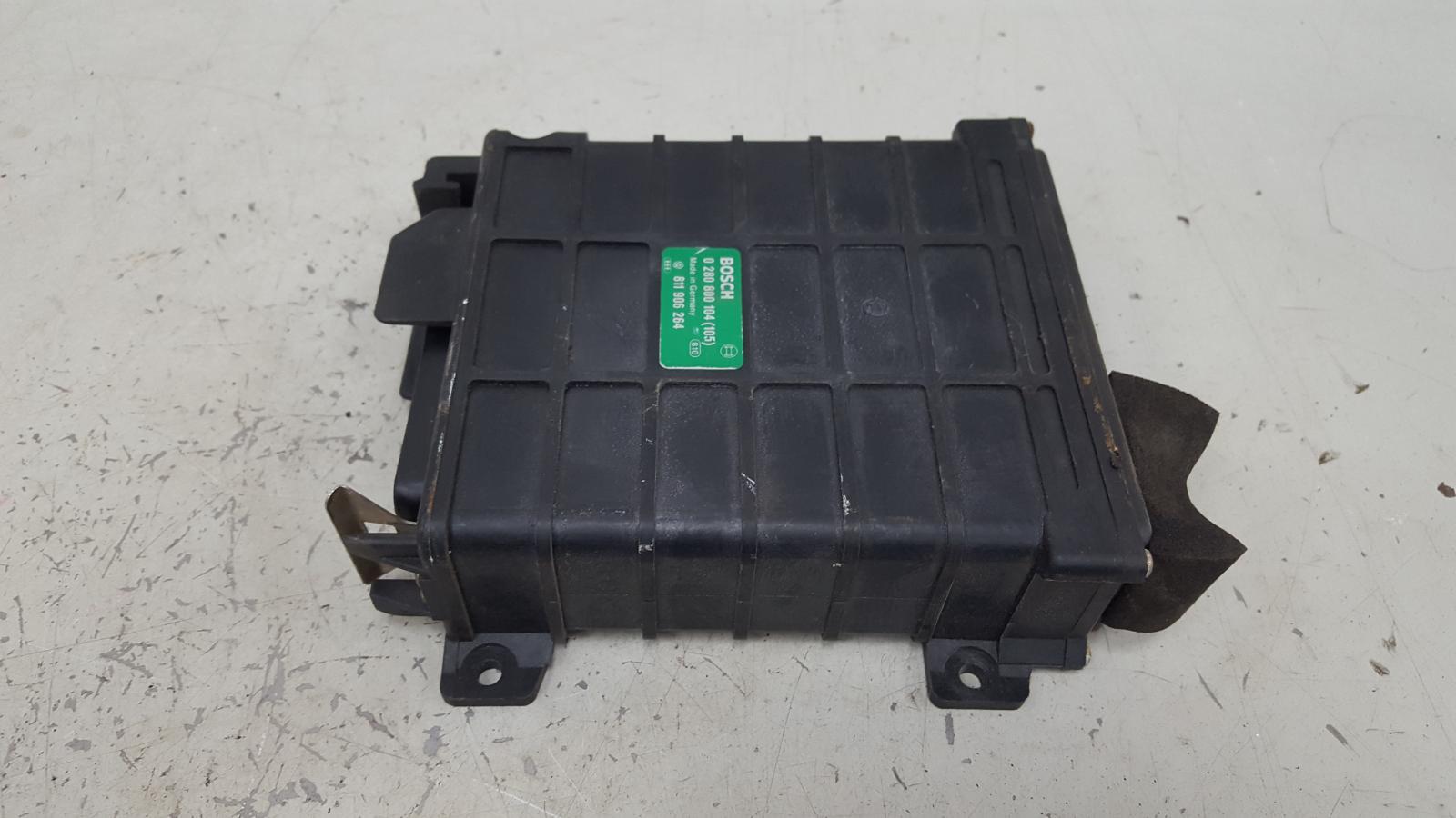 Блок управления двигателем двс эбу Audi 80 B3 YN 1.8Л 1990