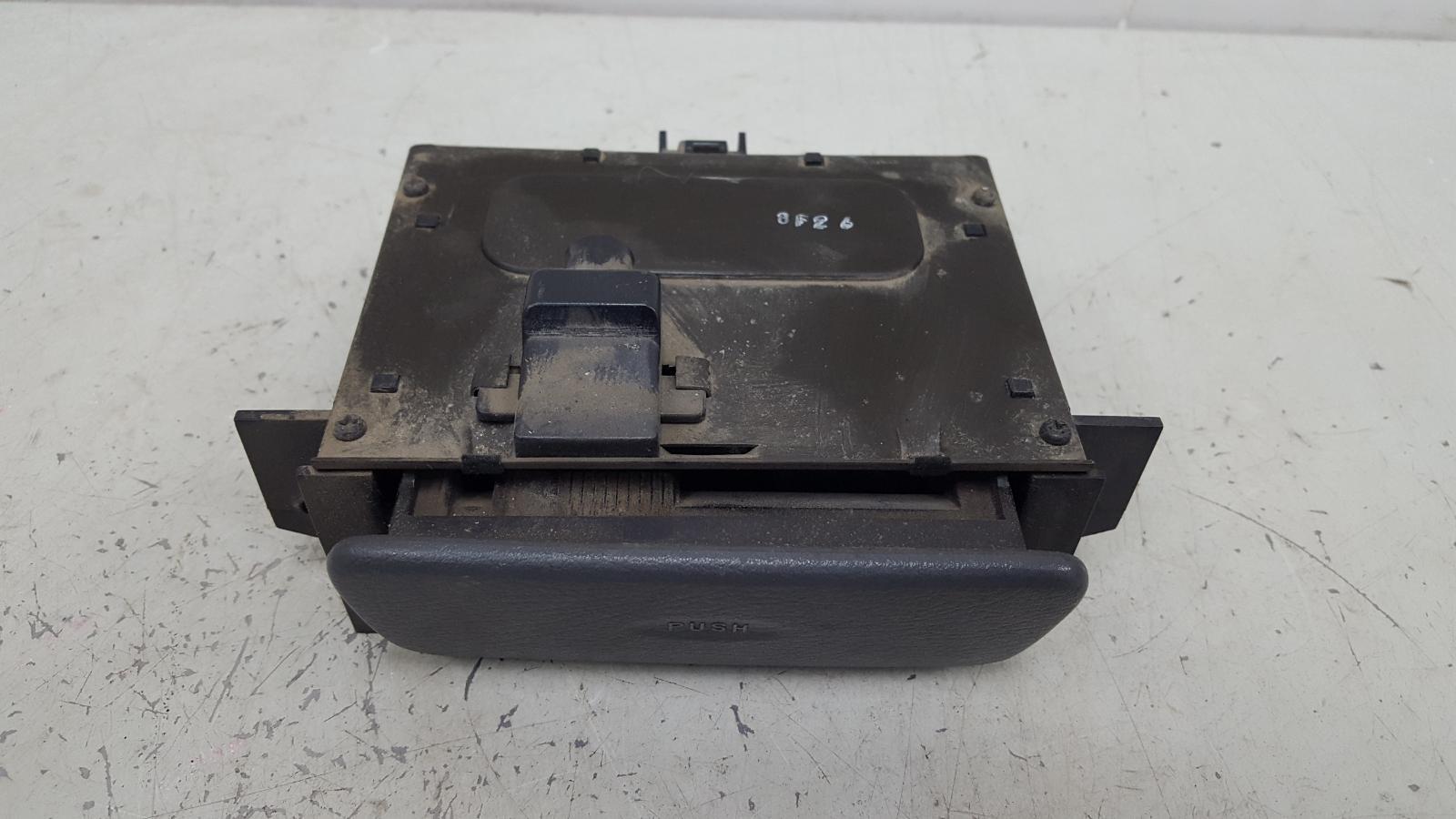 Пепельница Daewoo Nubiro KLAJ X20SED 2.0Л 1999
