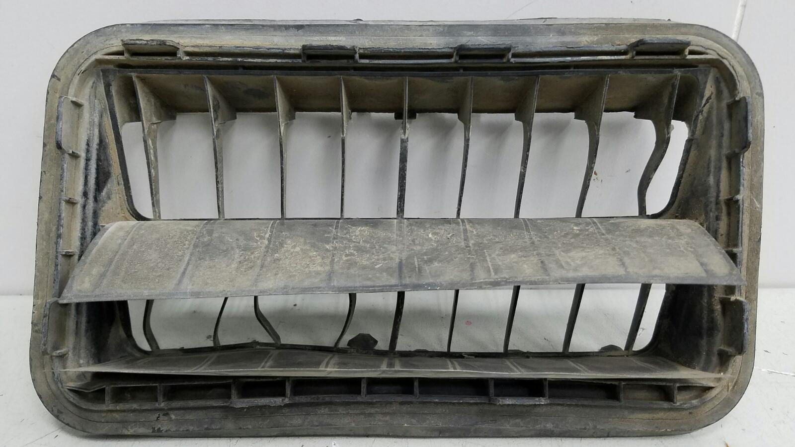 Клапан вентиляции багажника Toyota Corolla E150 1ZR-FE 2009