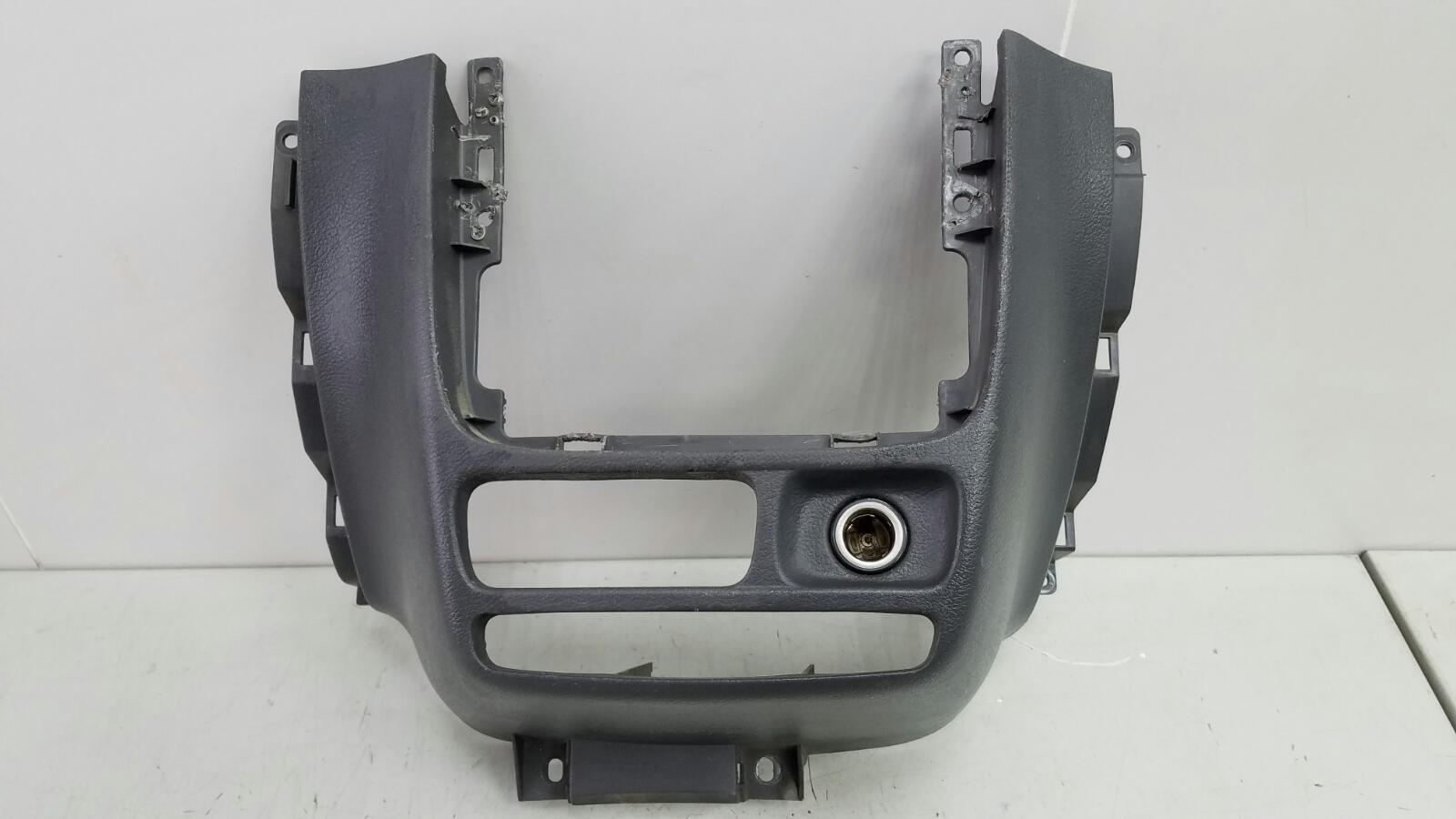 Накладка консоли центральная Daewoo Nubiro KLAJ X20SED 2.0Л 1999