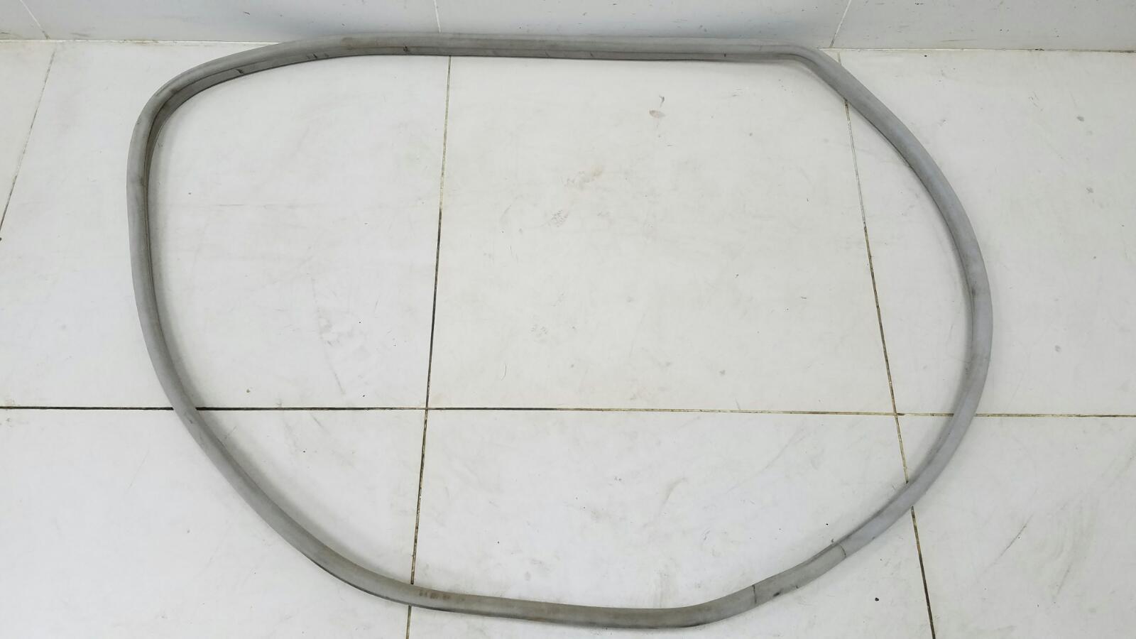 Уплотнительная резинка проема двери Mercedes S430 W220 M113.941 4.3Л 1999г
